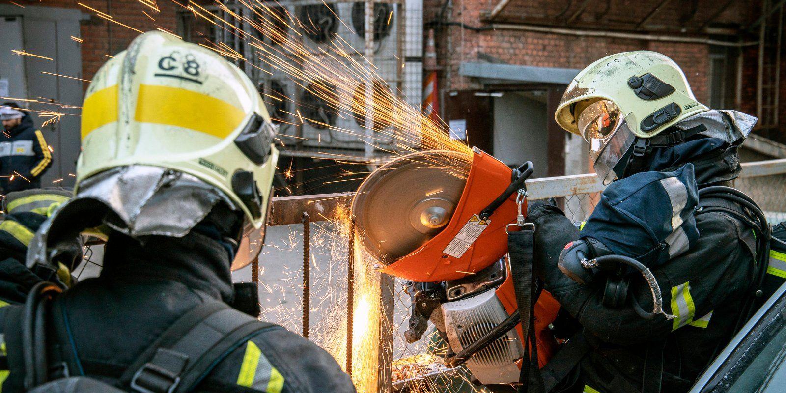 Пожарные и спасатели Москвы в феврале спасли 76 человек
