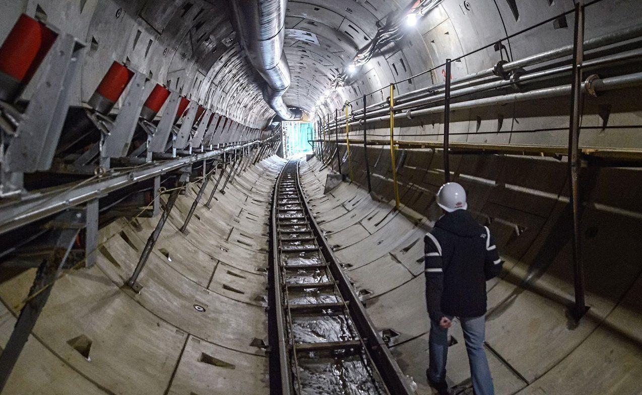 Строительные работы в метро продолжают с соблюдением мер профилактики