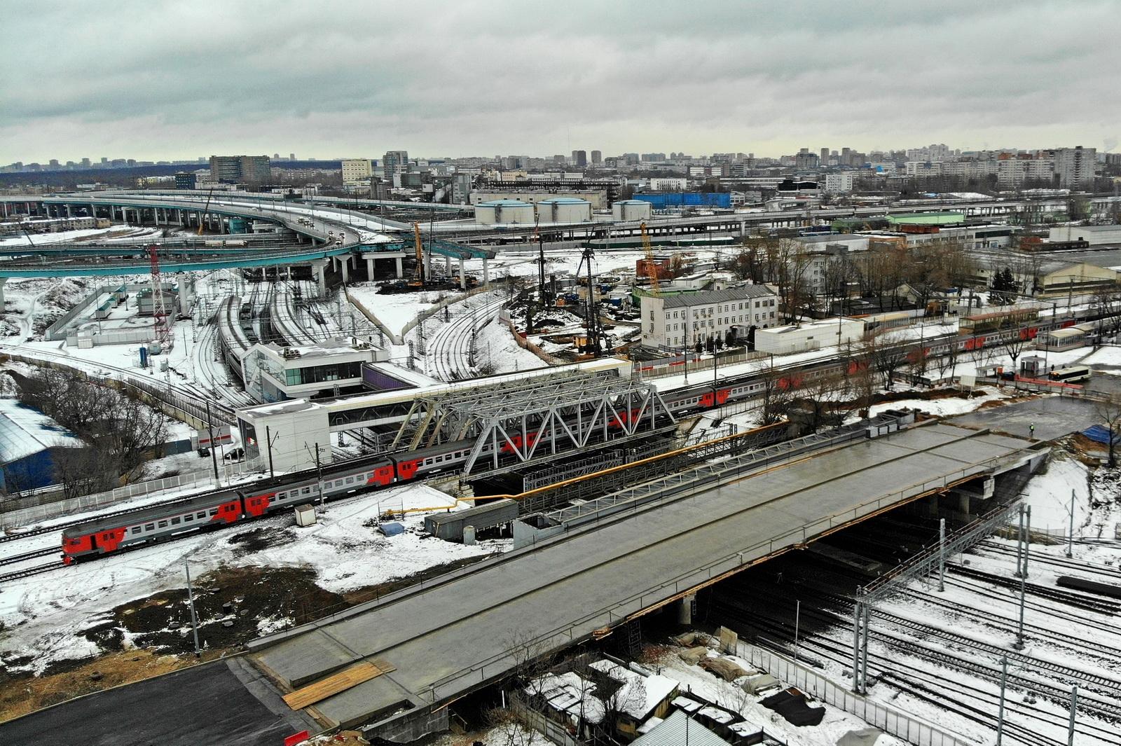 Путепровод через МЦК на юго-востоке Москвы откроют летом