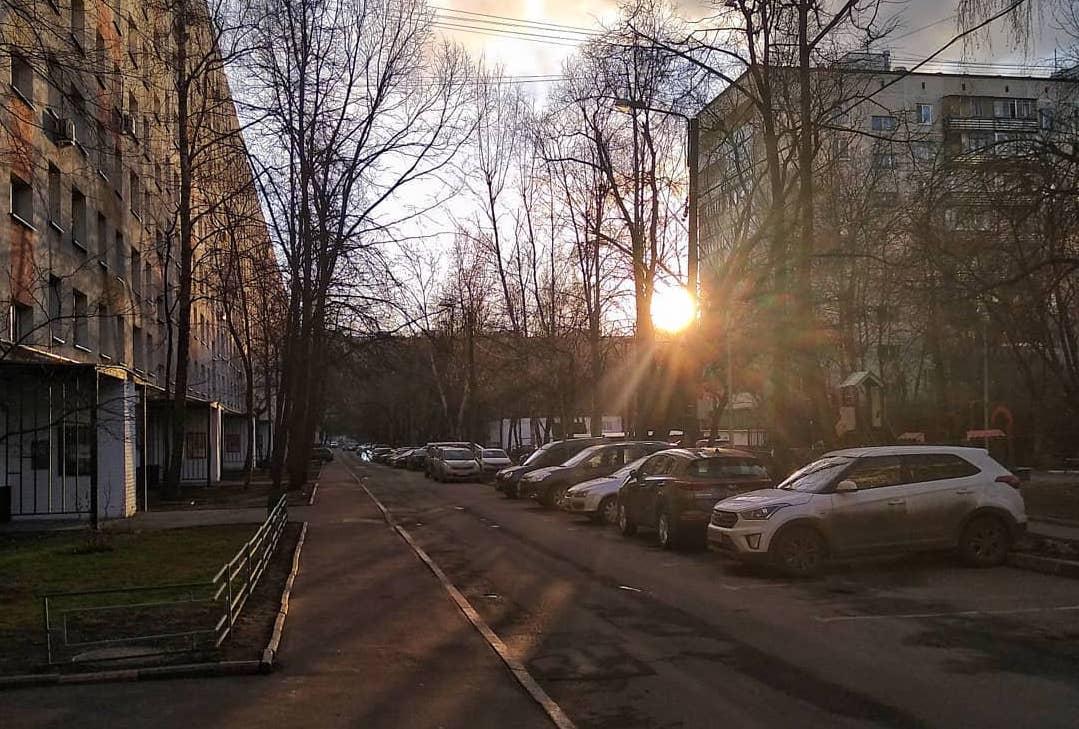 Пустые улицы большого города: народный корреспондент прогулялась по безлюдному району