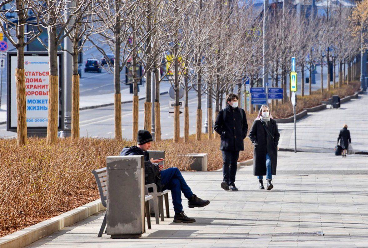 Более 1400 протоколов составили за сутки на вышедших на улицу без законных оснований москвичей