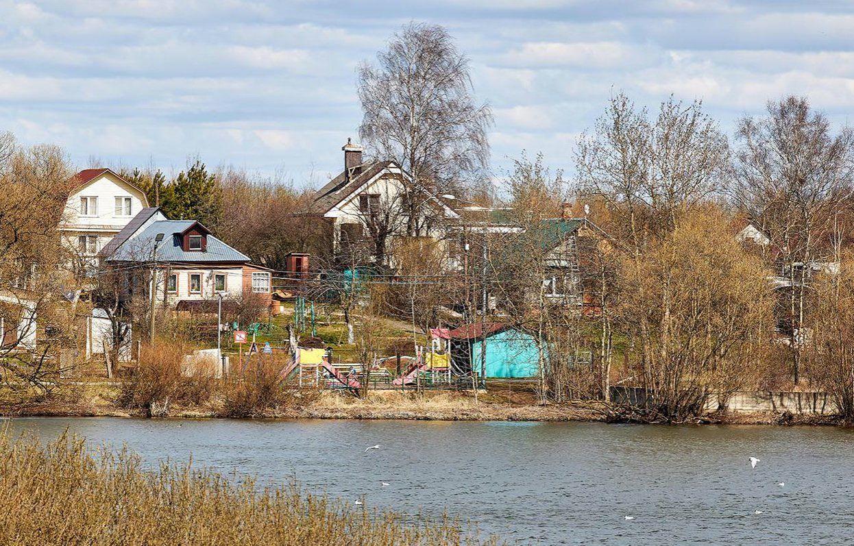 Москвичам разъяснили правила поездки на дачу в майские праздники