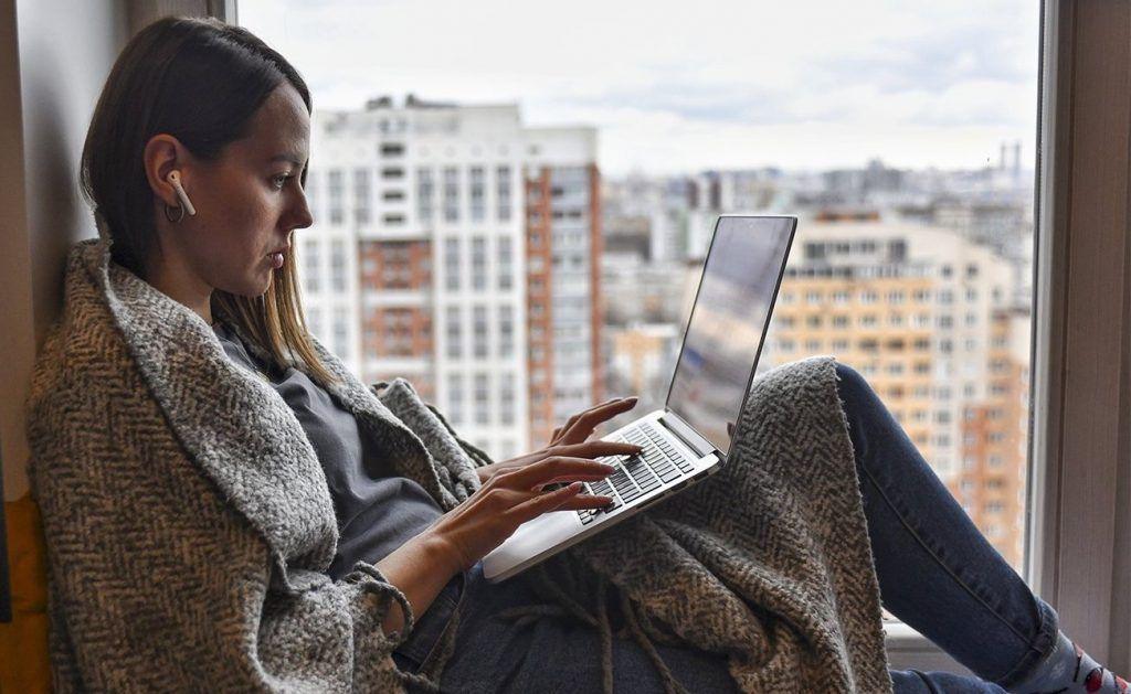 Распорядок дня и личное пространство: психолог дала советы по упрощению жизни на самоизоляции. Фото: сайт мэра Москвы