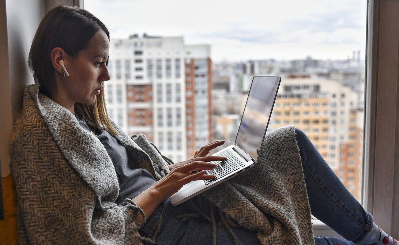 Распорядок дня и личное пространство: психолог рассказала, как провести самоизоляцию с комфортом