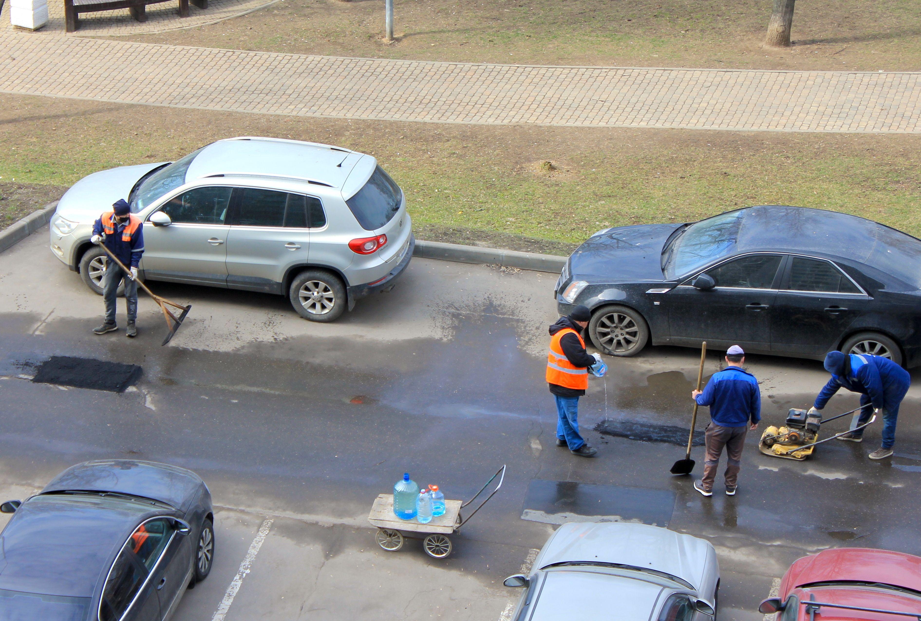 Асфальт на улицах Нагатинского Затона отремонтировали