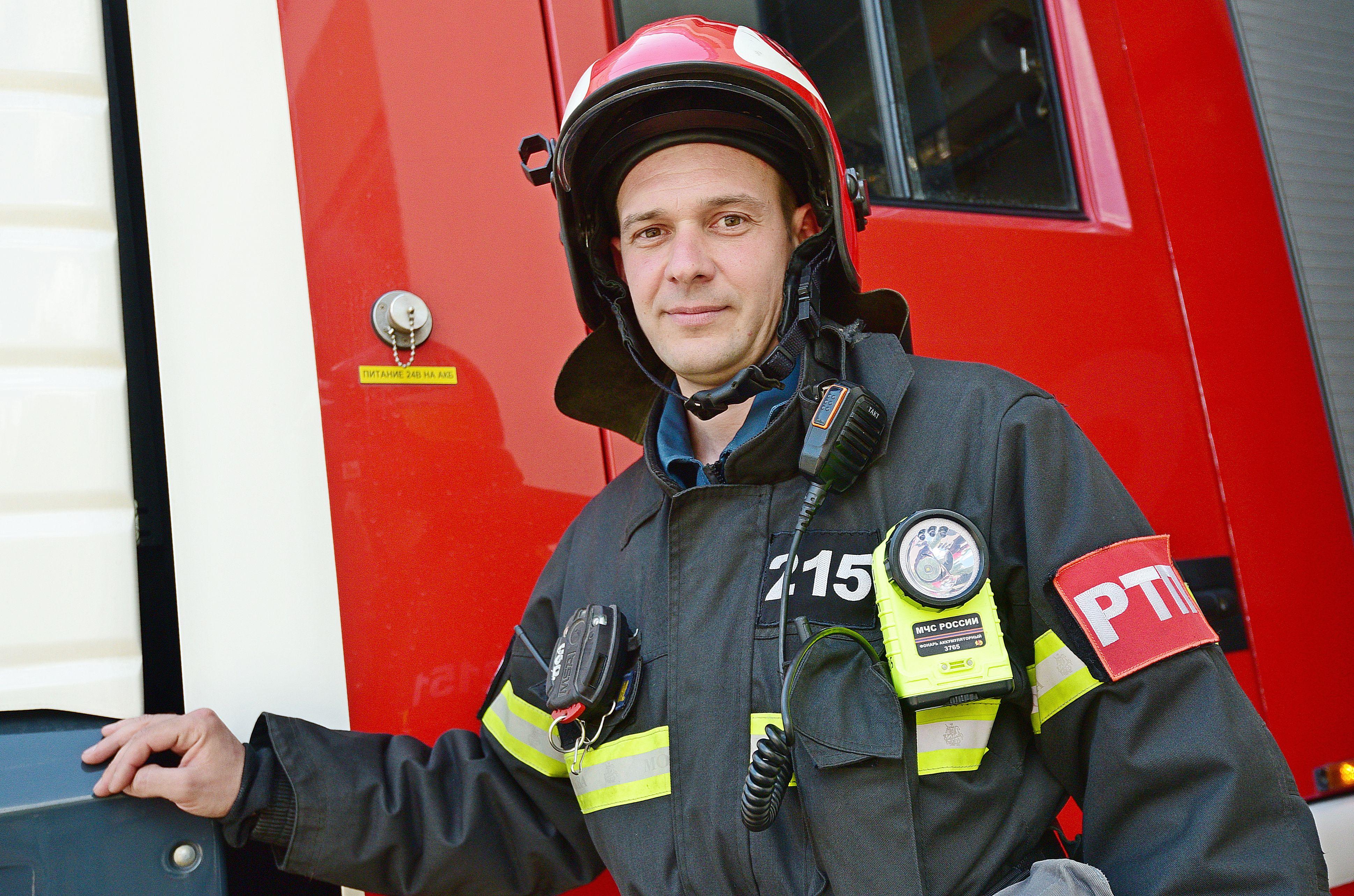 Московским пожарным выдали ударопрочные планшеты