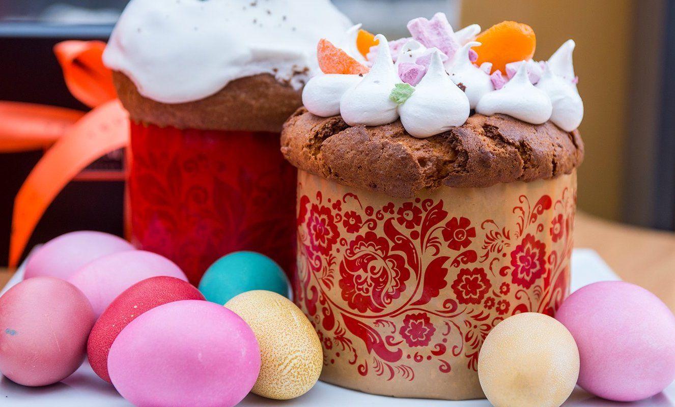 Москвичи смогут освятить пасхальные яйца и куличи дома