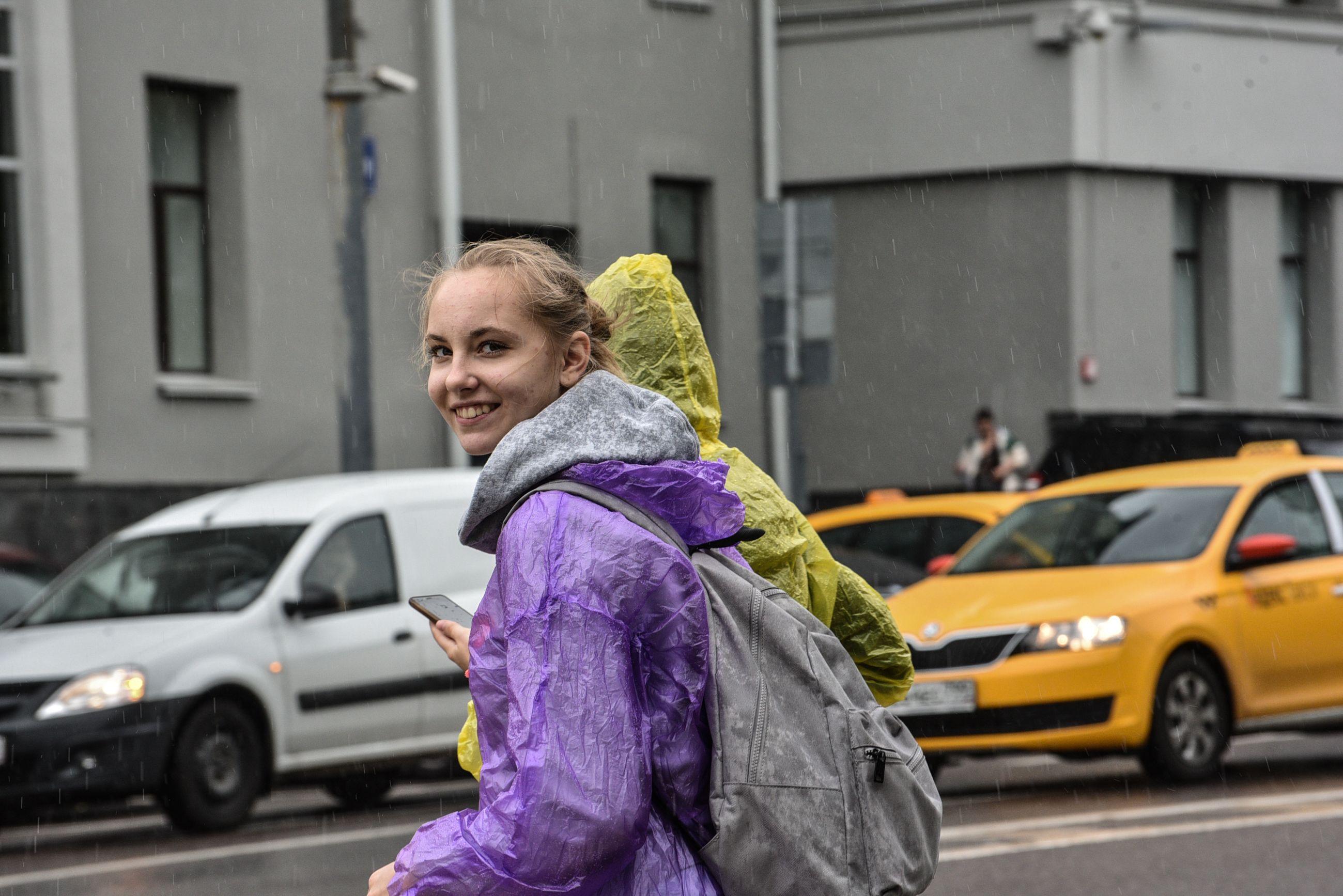 Жителей Москвы ожидает теплая и дождливая погода