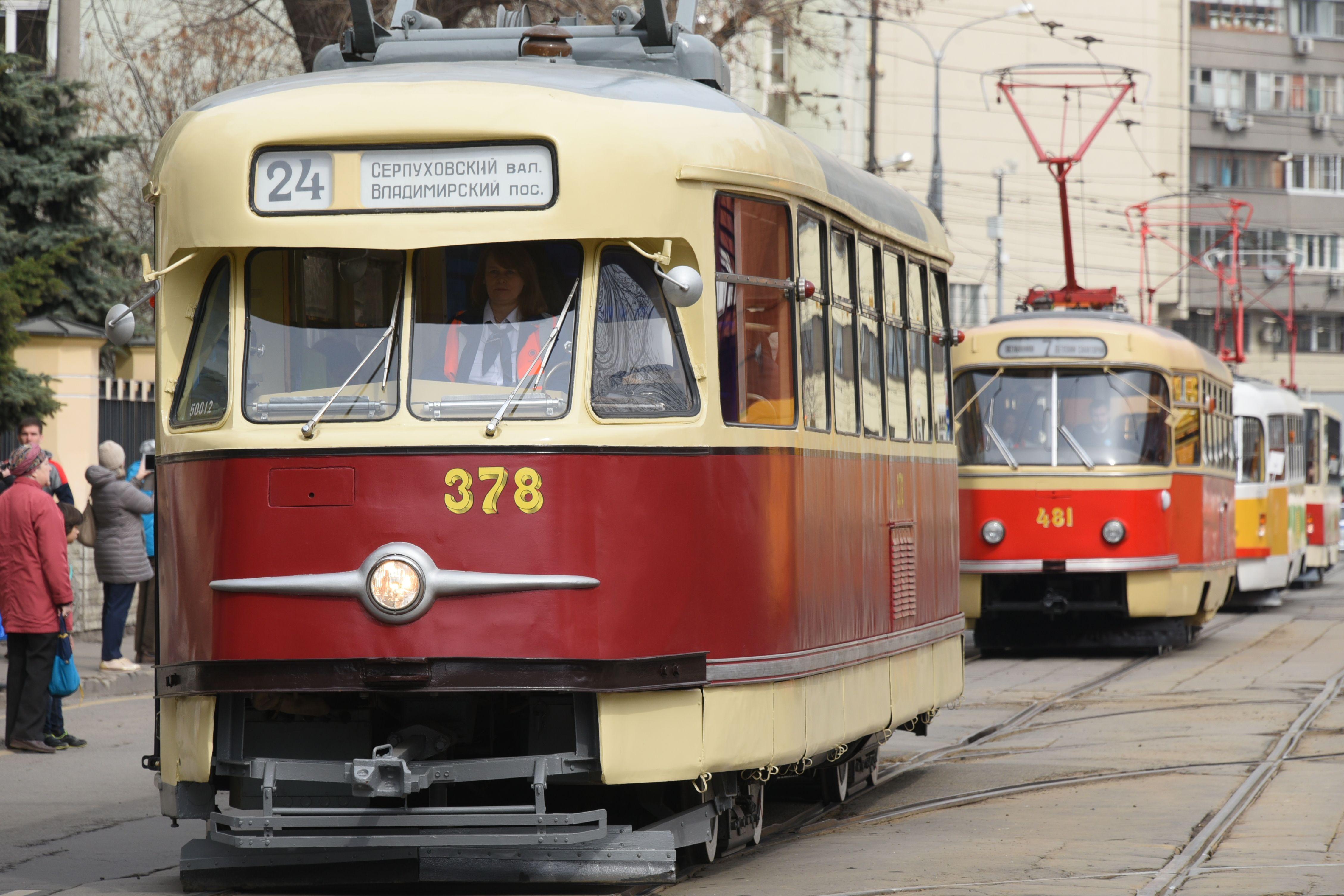 Парад трамваев - одно из самых узнаваемых ретро-событий в городе. Фото: Владимир Новиков