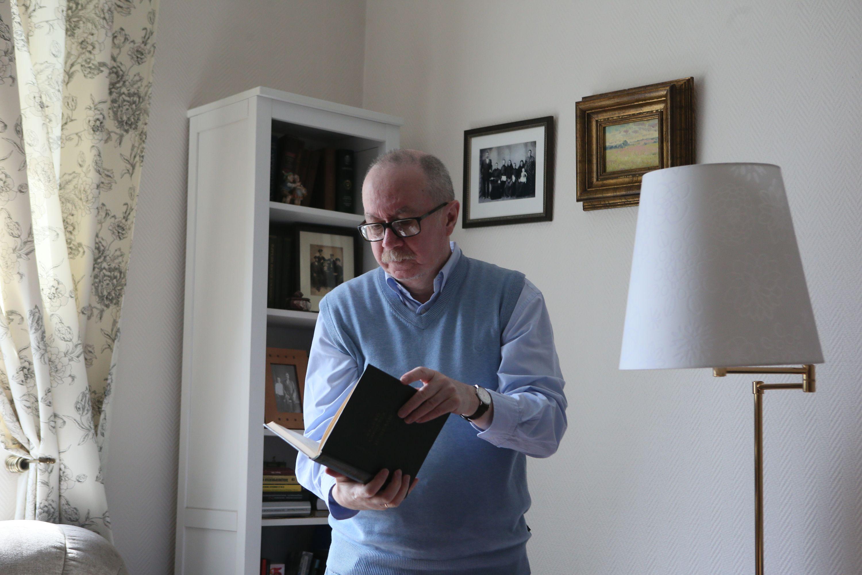 Писатель, филолог, сценарист Денис Драгунский: Я боялся обычных русских чертей