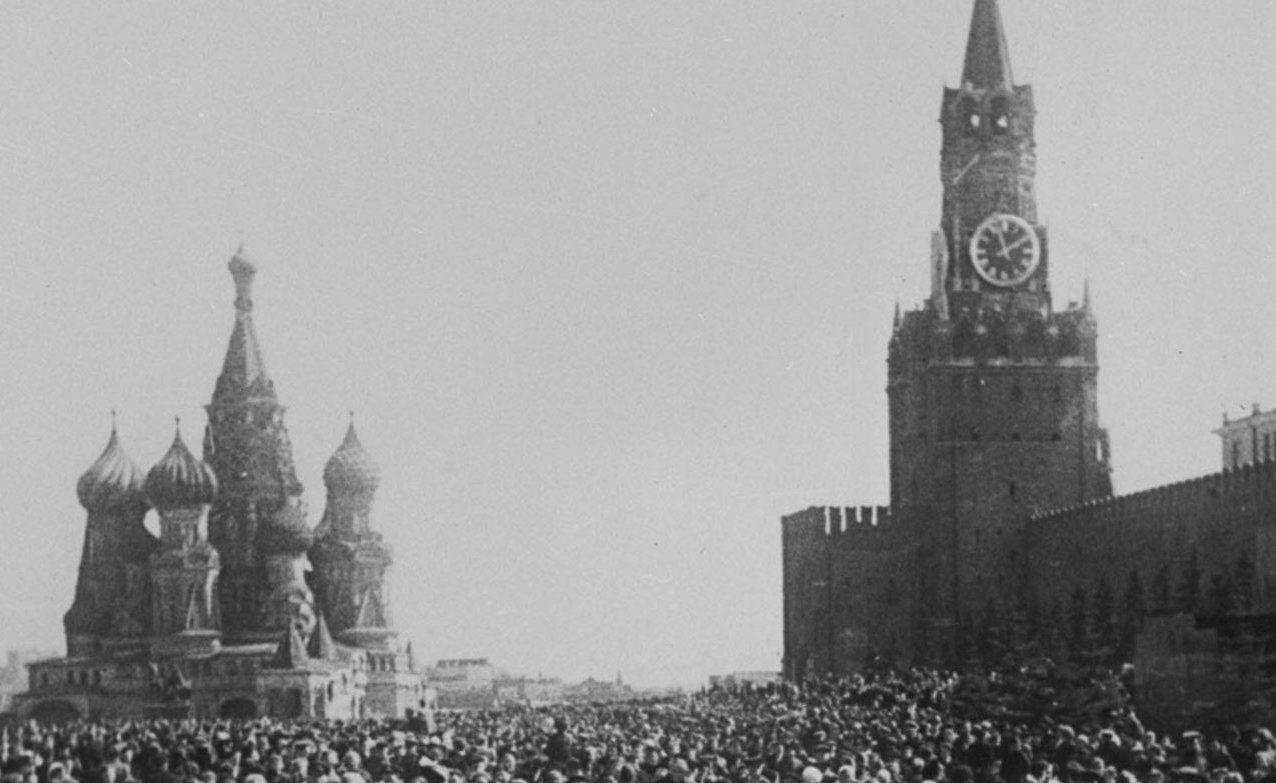 Фотографы военных лет и Вечный огонь из бумаги: онлайн-мероприятия ко Дню Победы подготовили в «Братееве»