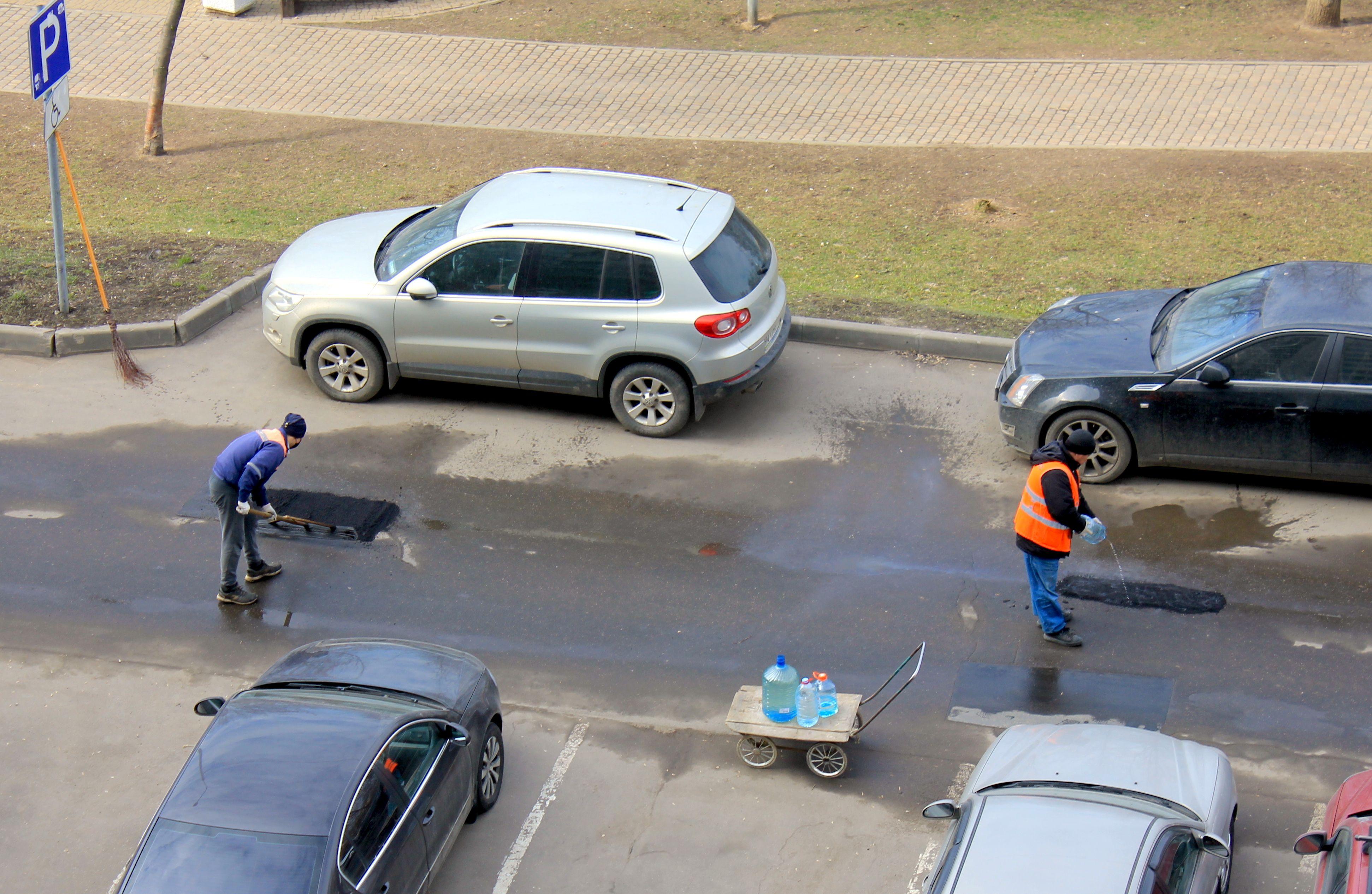 Тротуары в Нагатинском Затоне привели в порядок по пяти адресам