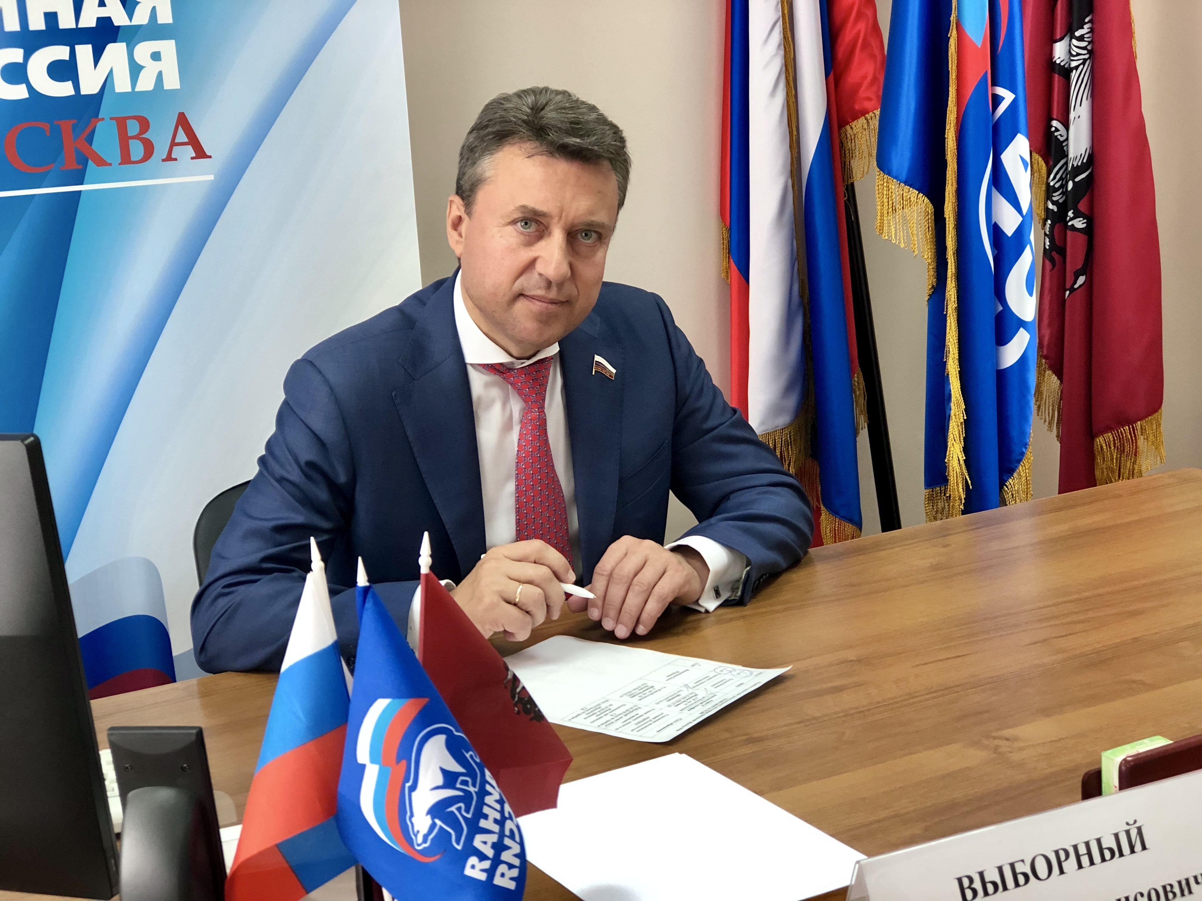 Анатолий ВЫБОРНЫЙ: «Чиновников будут наказывать за оскорбление граждан»