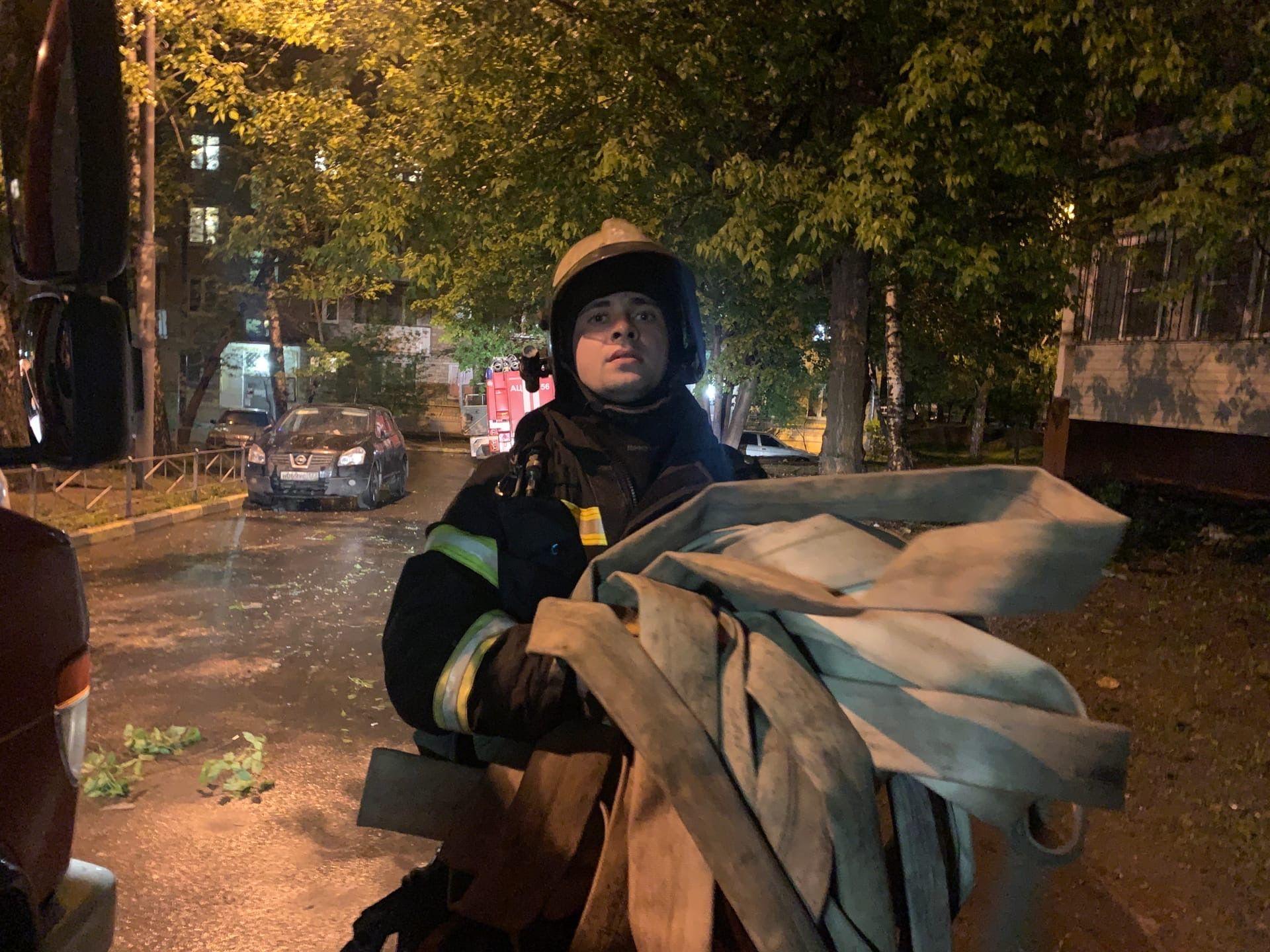 Самые оперативные: пожарные отстояли от огня жилой дом в ЮАО