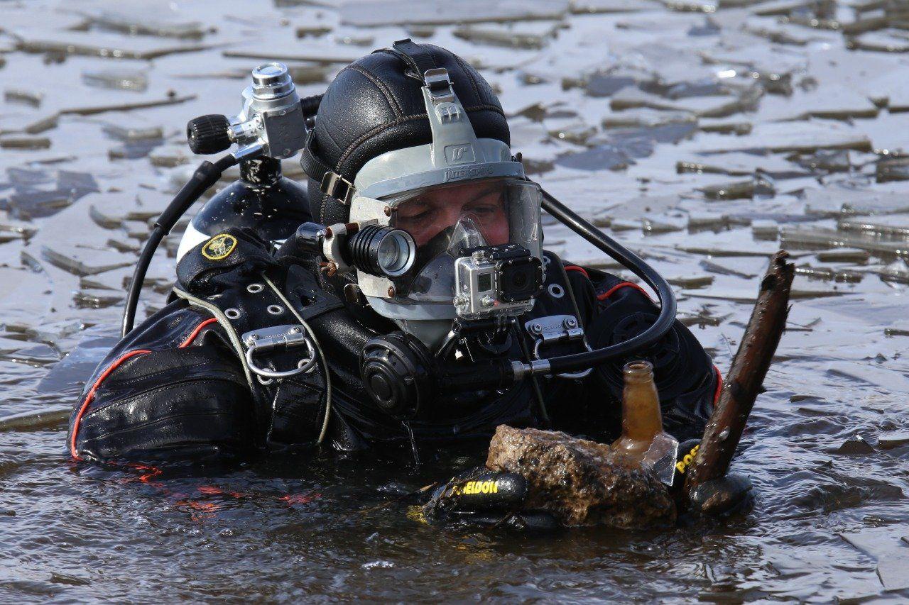 Водолазы обследовали водоёмы московских зон отдыха
