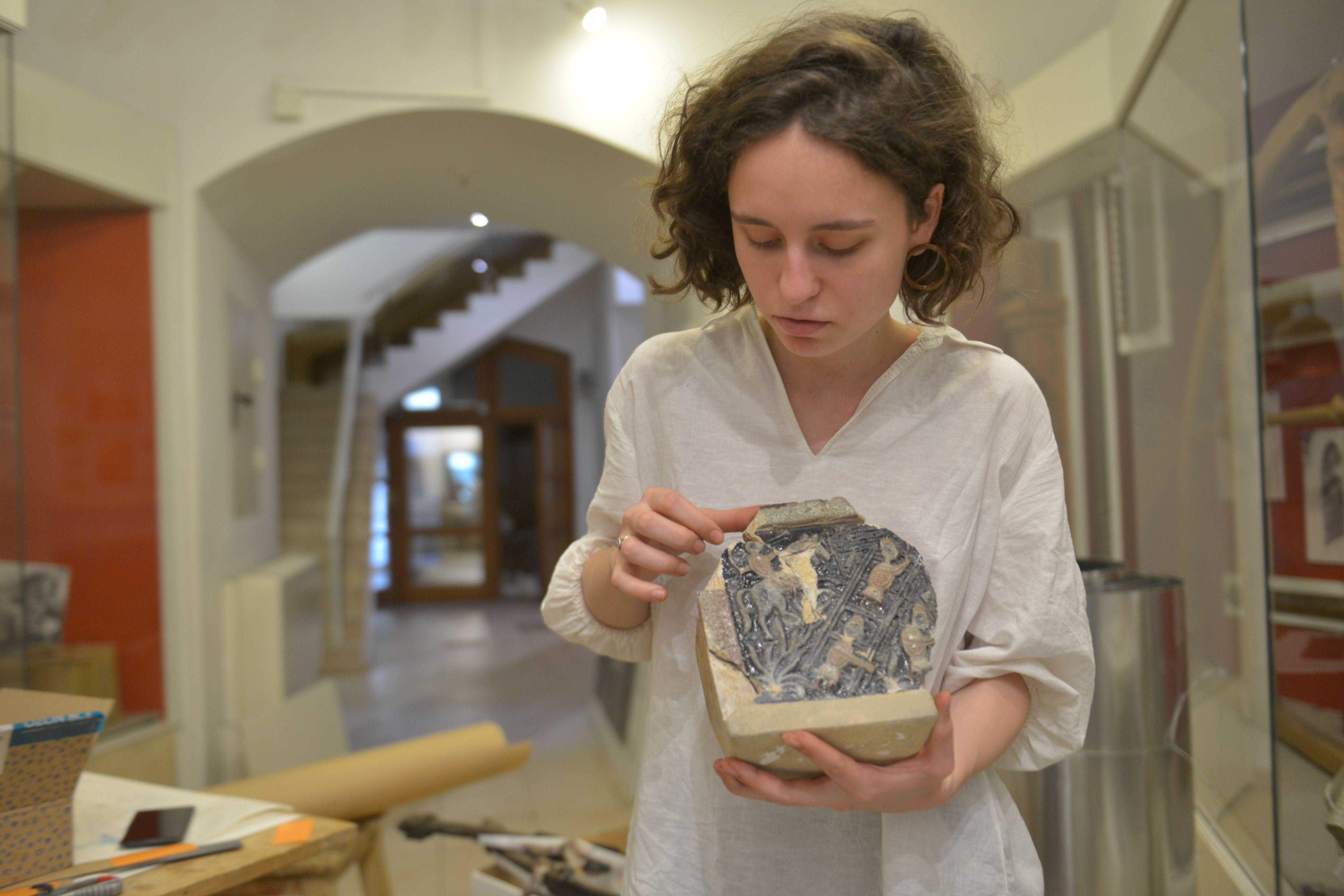 Археологи Москвы отреставрировали артефакты с Пятницкой улицы