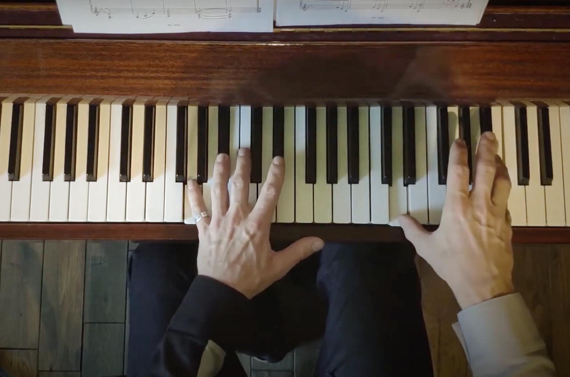 Музыкальное приветствие из Норвегии: композитор сыграл пьесу для «Царицына»