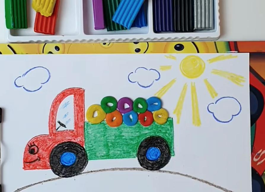 Грузовичок Гриша с пластилиновыми пончиками: детскую сказку рассказали в «Северном Чертанове»