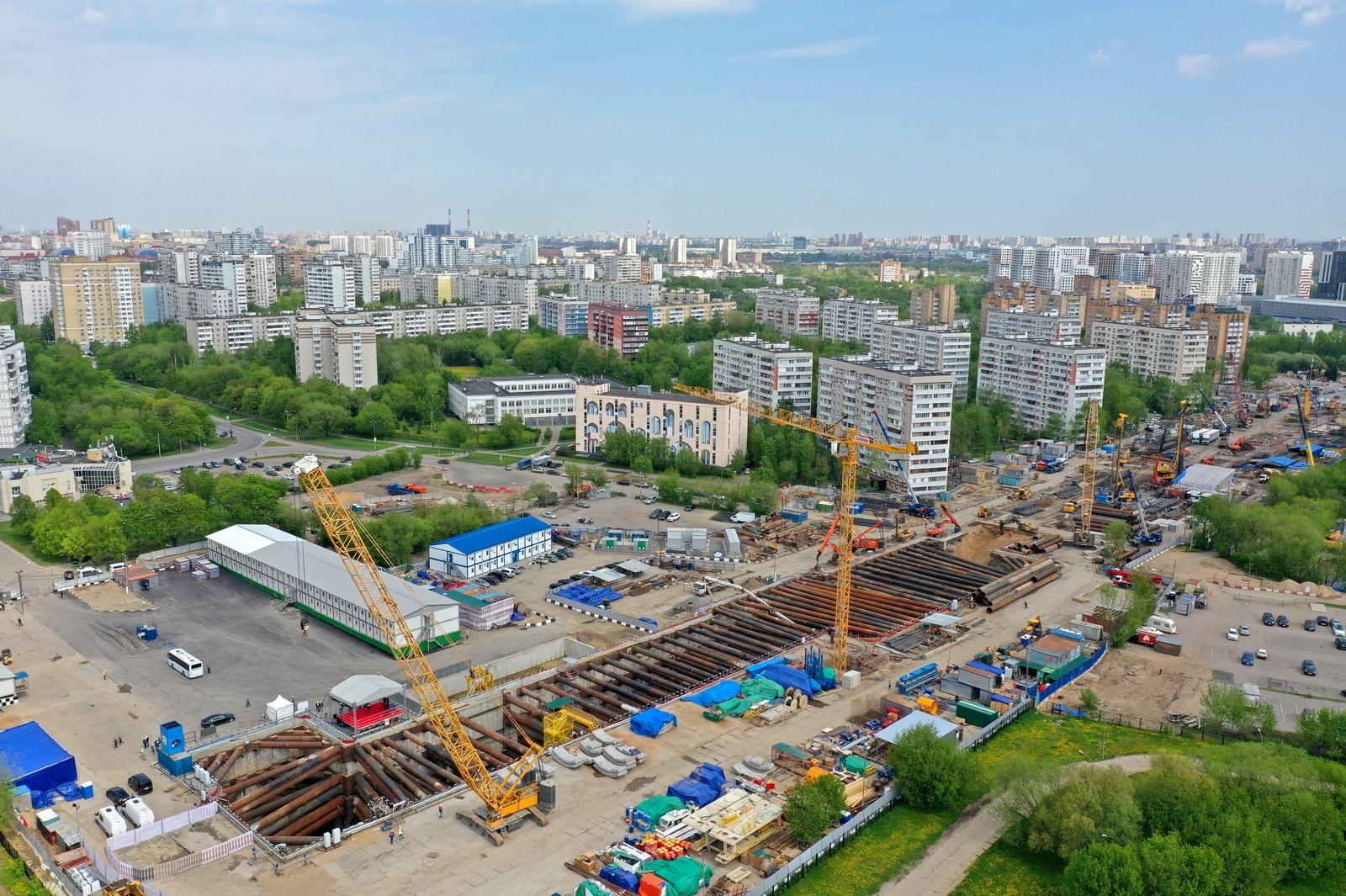 Метростроители готовят котлован для станции «Кленовый бульвар» на юге Москвы