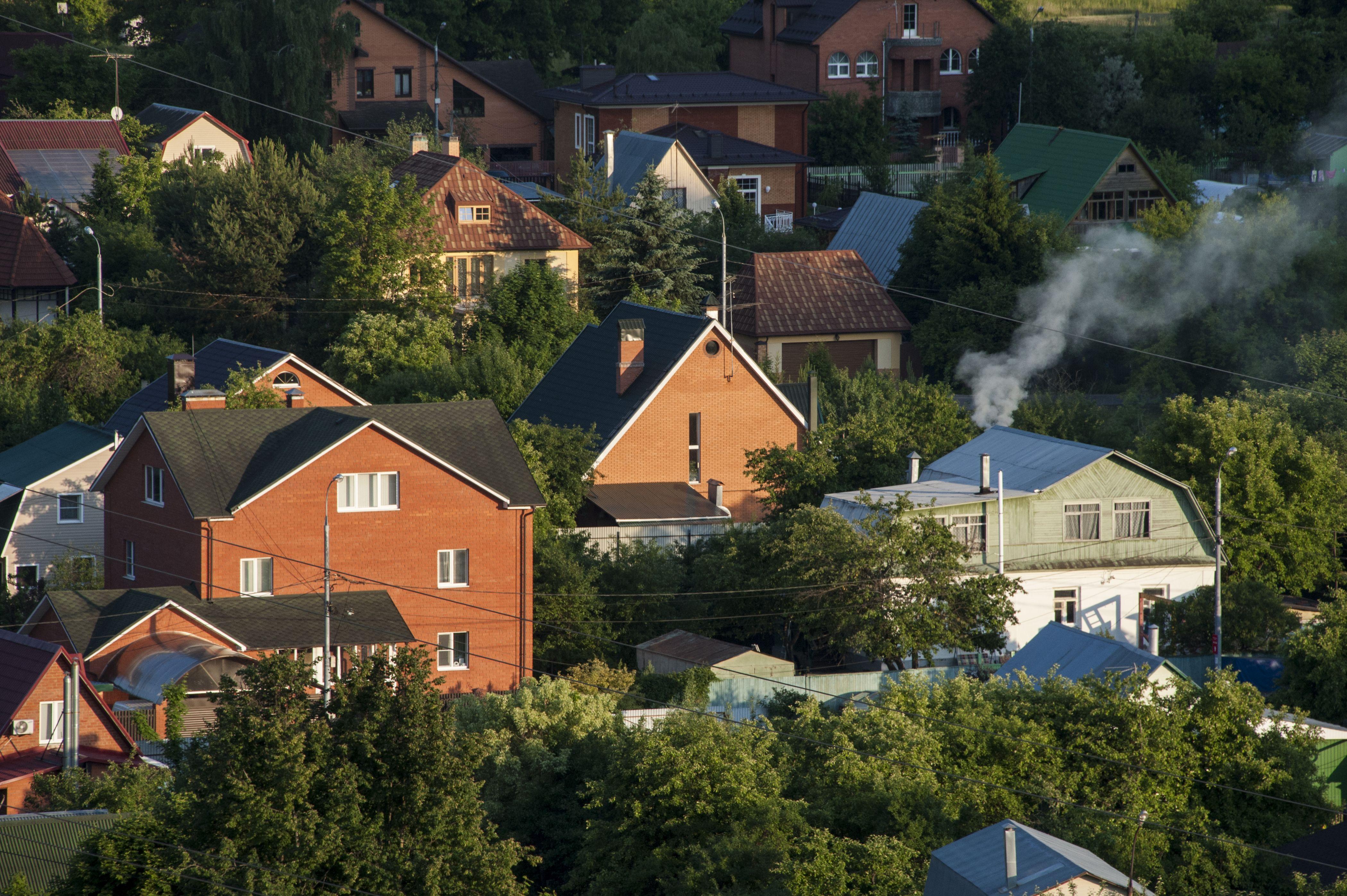 Москва отправила 16 тысяч партий дров для пожилых дачников