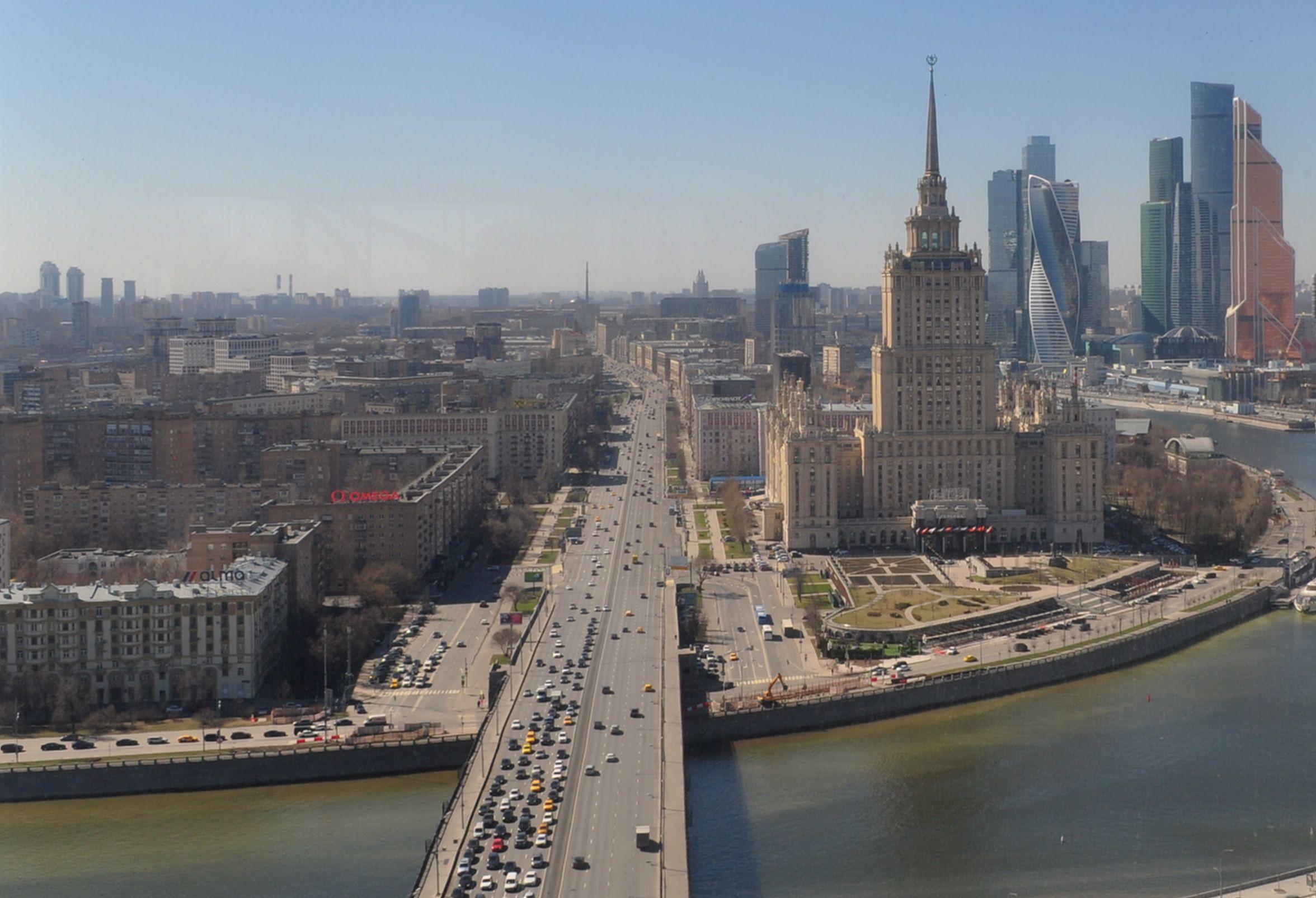 Прогулки по графику в Москве - единственное безопасное для горожан решение
