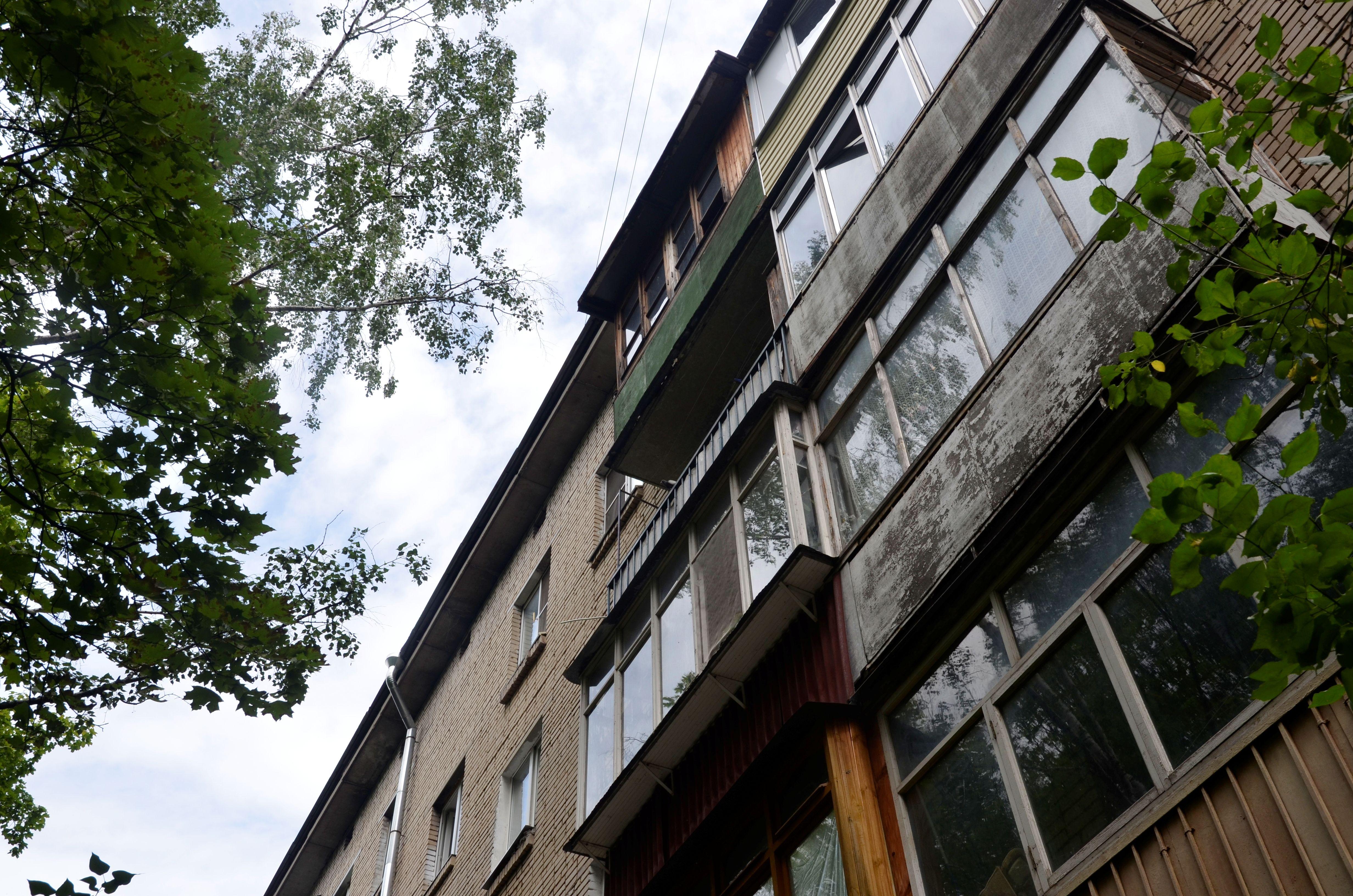 Подъезды пяти домов на Ясеневой улице приведут в порядок