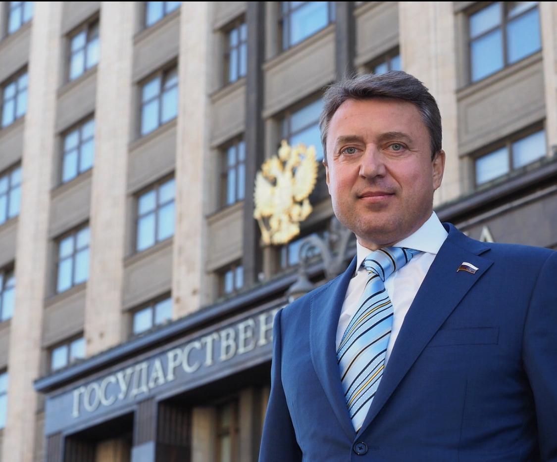 Анатолий ВЫБОРНЫЙ: В добрый путь, выпускники!