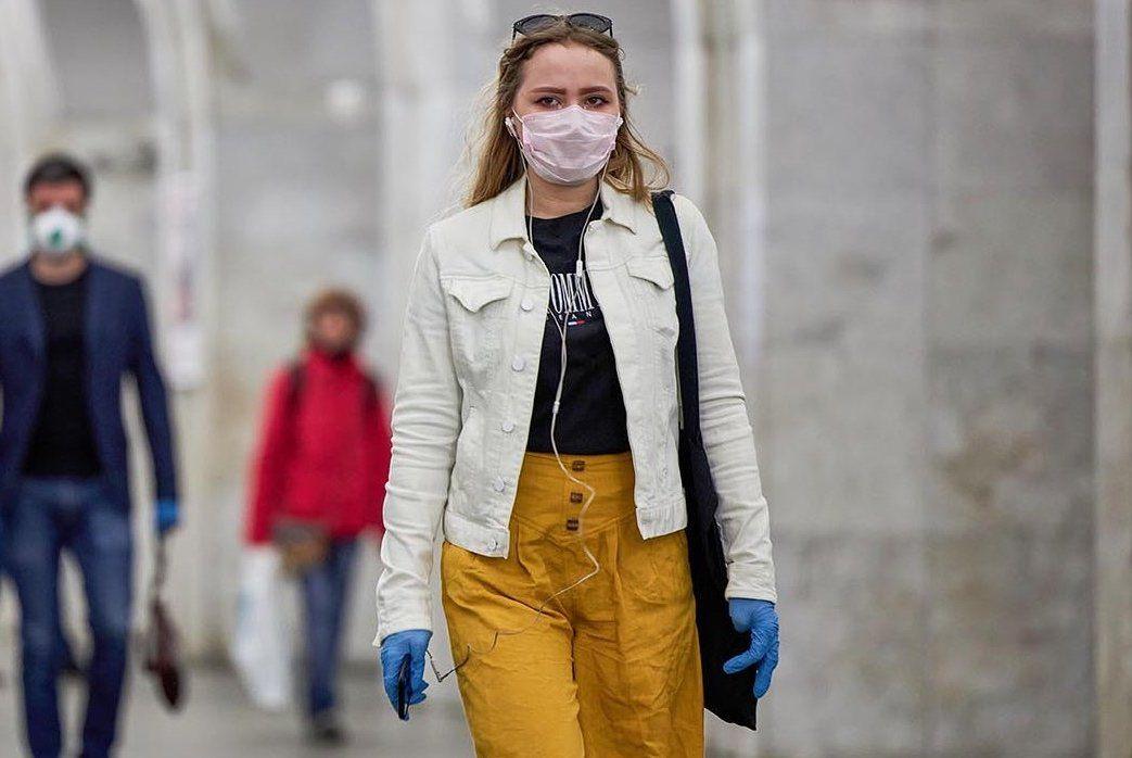 Дептранс: 99% пассажиров метро надели маски утром 15 мая