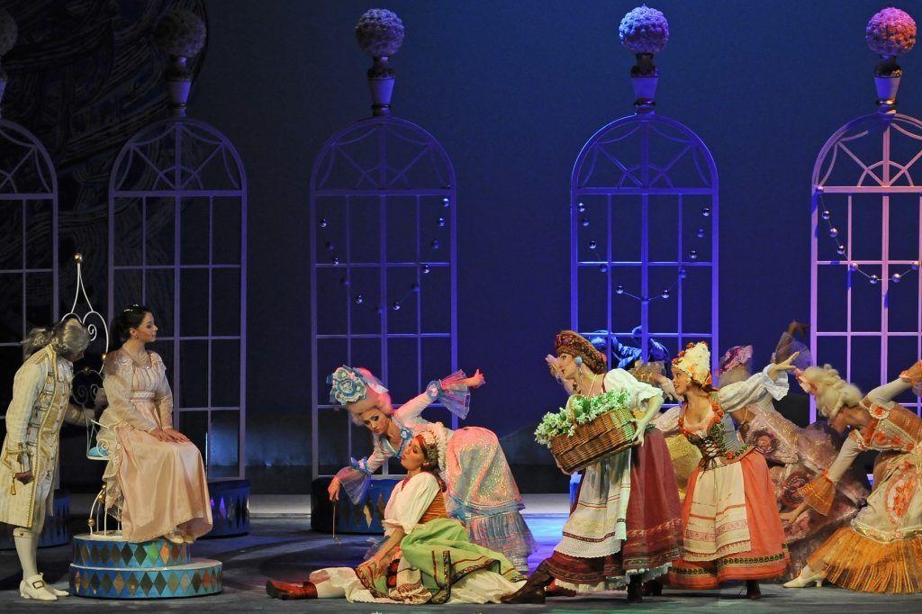 Новые музыкальные сказки из репертуара «Театриума» представят зрителям онлайн. Фото: «12 месяцев», Андрей Лукин, предоставили в пресс-службе «Театриума»