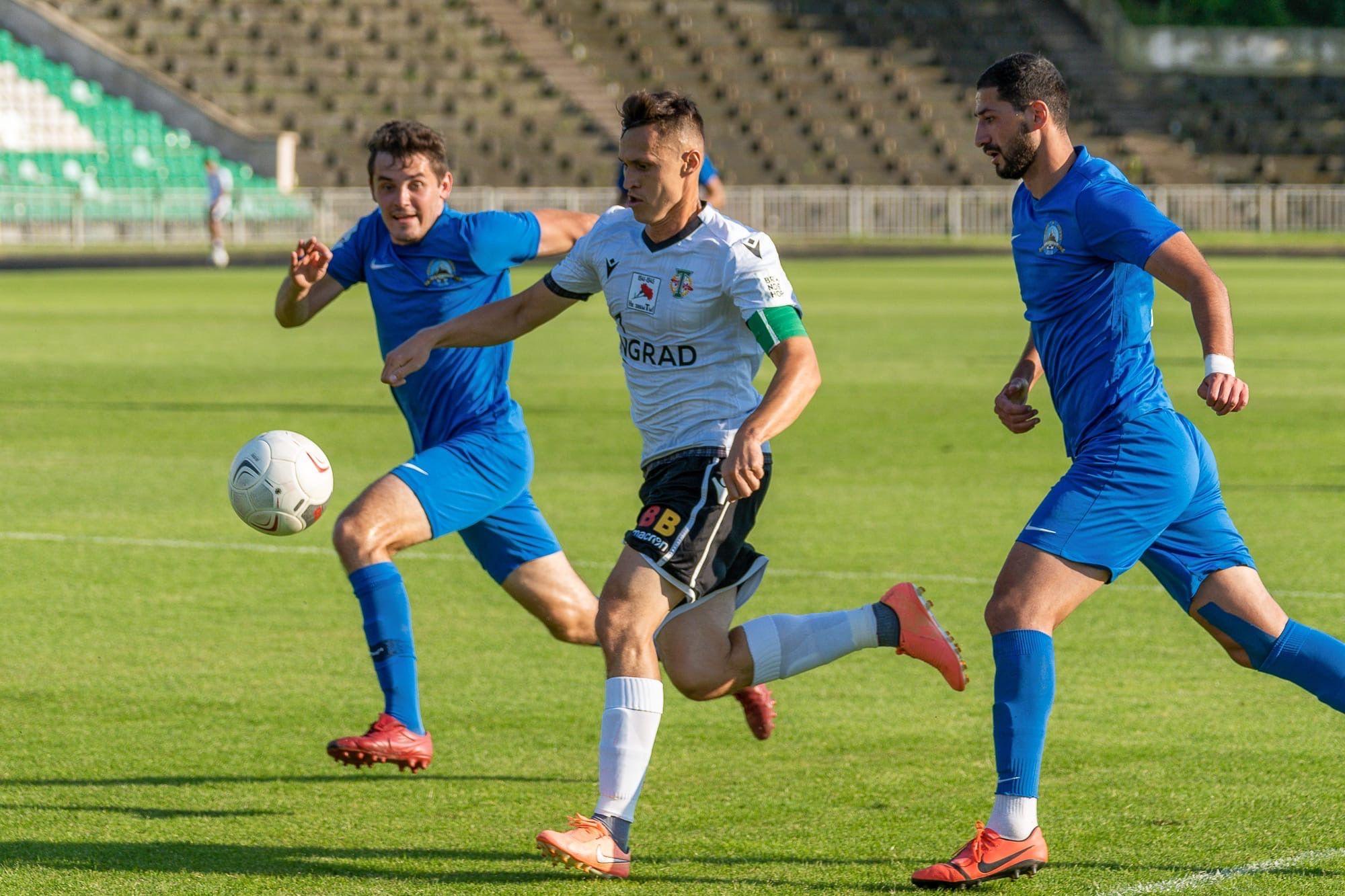 Футболисты «Торпедо» одержали победу в первом тренировочном матче