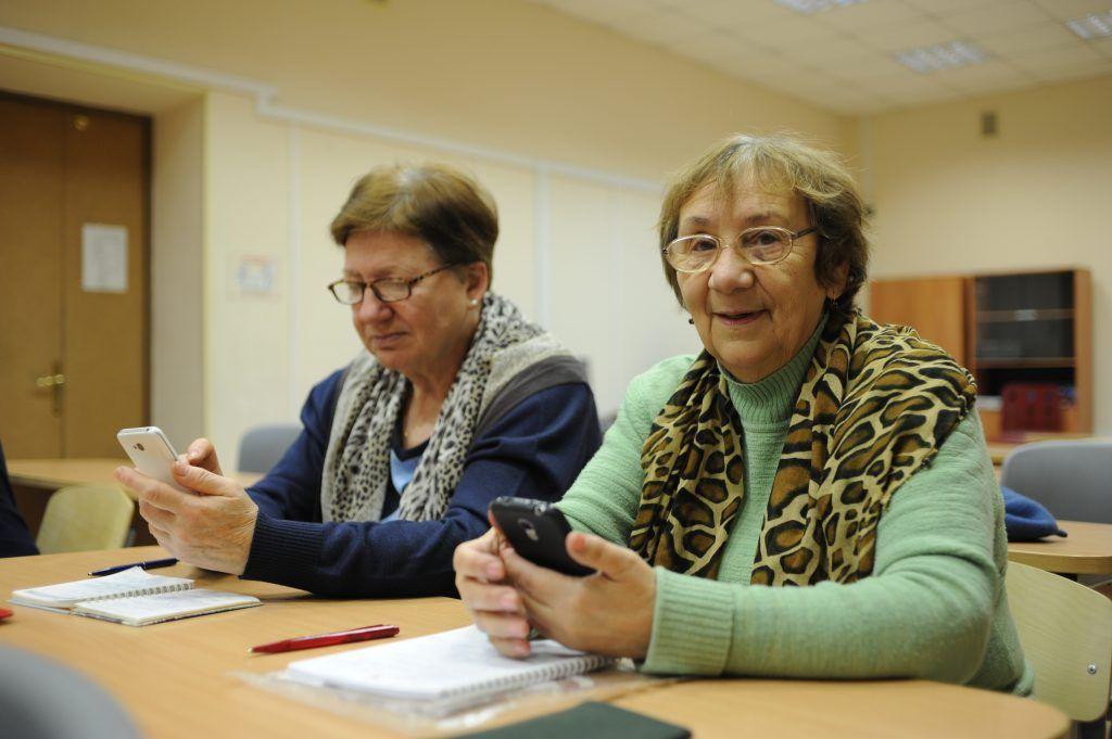 Онлайн-клуб «Здоровое долголетие» открыли в «Маяке». Фото: Игорь Генералов, «Вечерняя Москва»