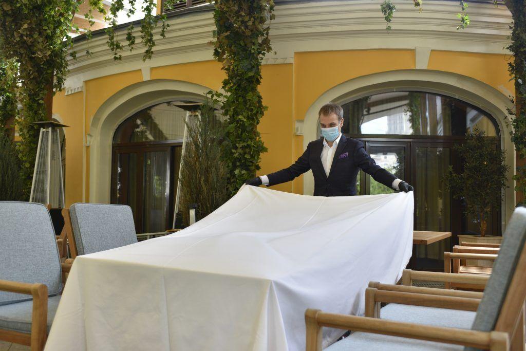 Рестораторы Москвы согласовали правила работы с Роспотребнадзором. Пелагия Замятина, «Вечерняя Москва»