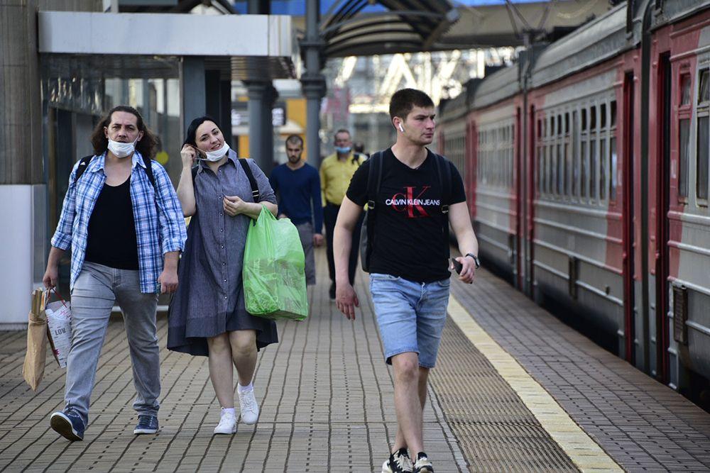 Москвичи продлили почти 60 тысяч проездных билетов за два дня