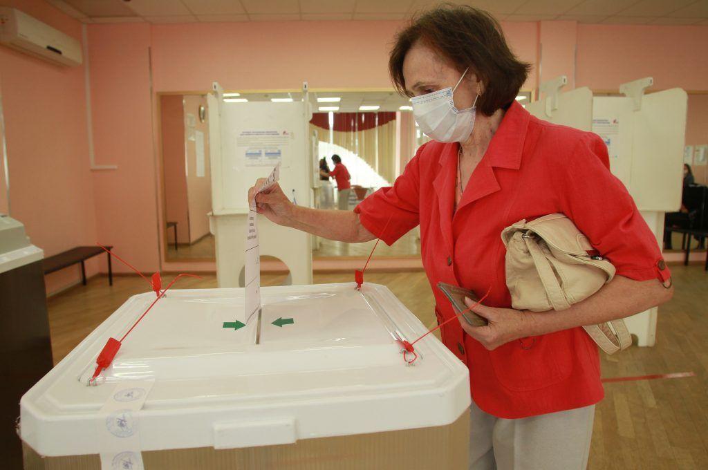 Греческий журналист отметил высокий уровень организации голосования в Москве. Фото: Наталия Нечаева, «Вечерняя Москва»