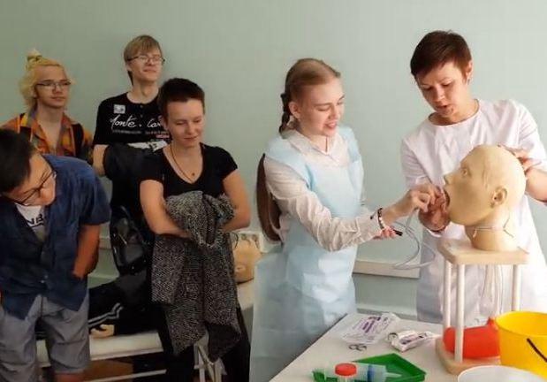 Будущих врачей пригласили в профильный 10 класс школы №904