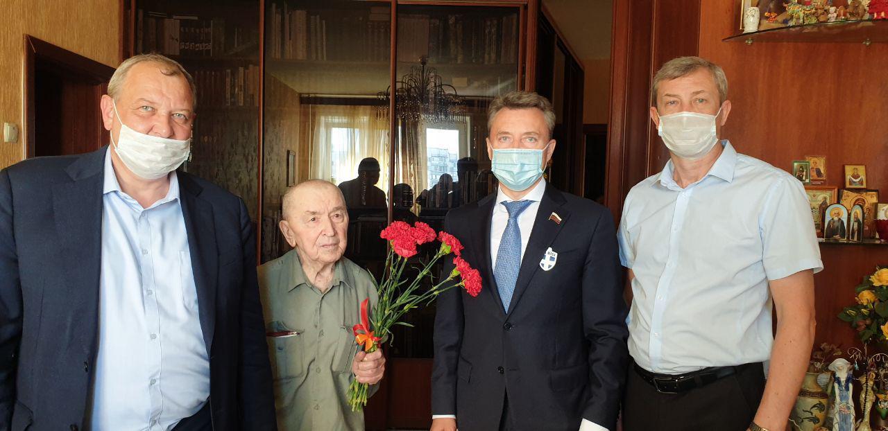 Анатолий Выборный: «Из одного металла льют медаль за бой, медаль за труд»