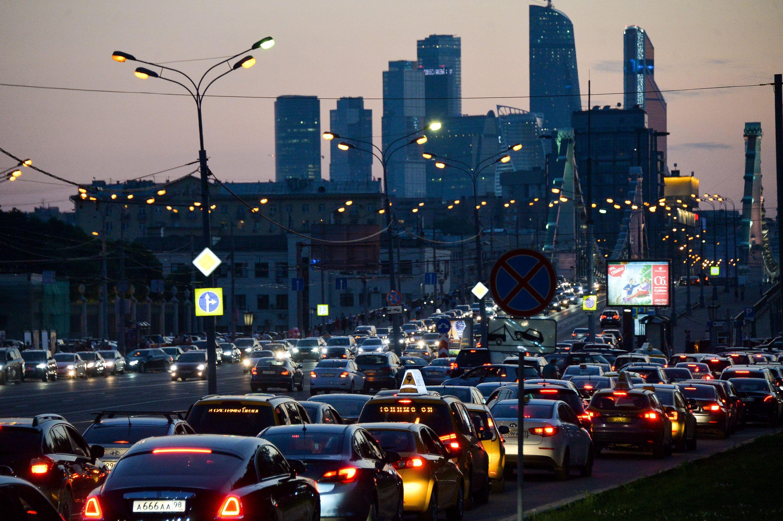 Дачникам посоветовали уехать из Москвы до 20:00