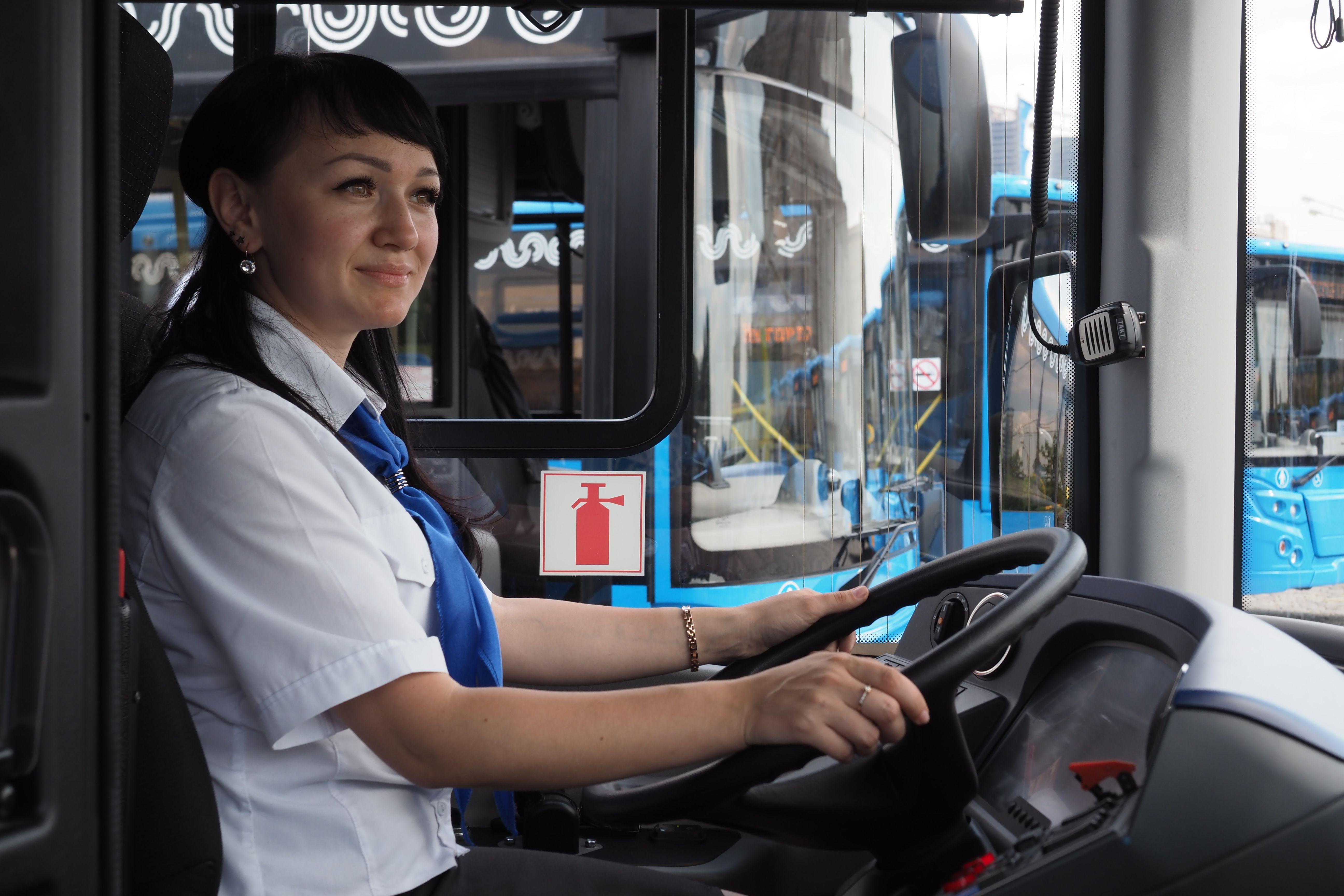 Работа московских автобусов изменится в выходные