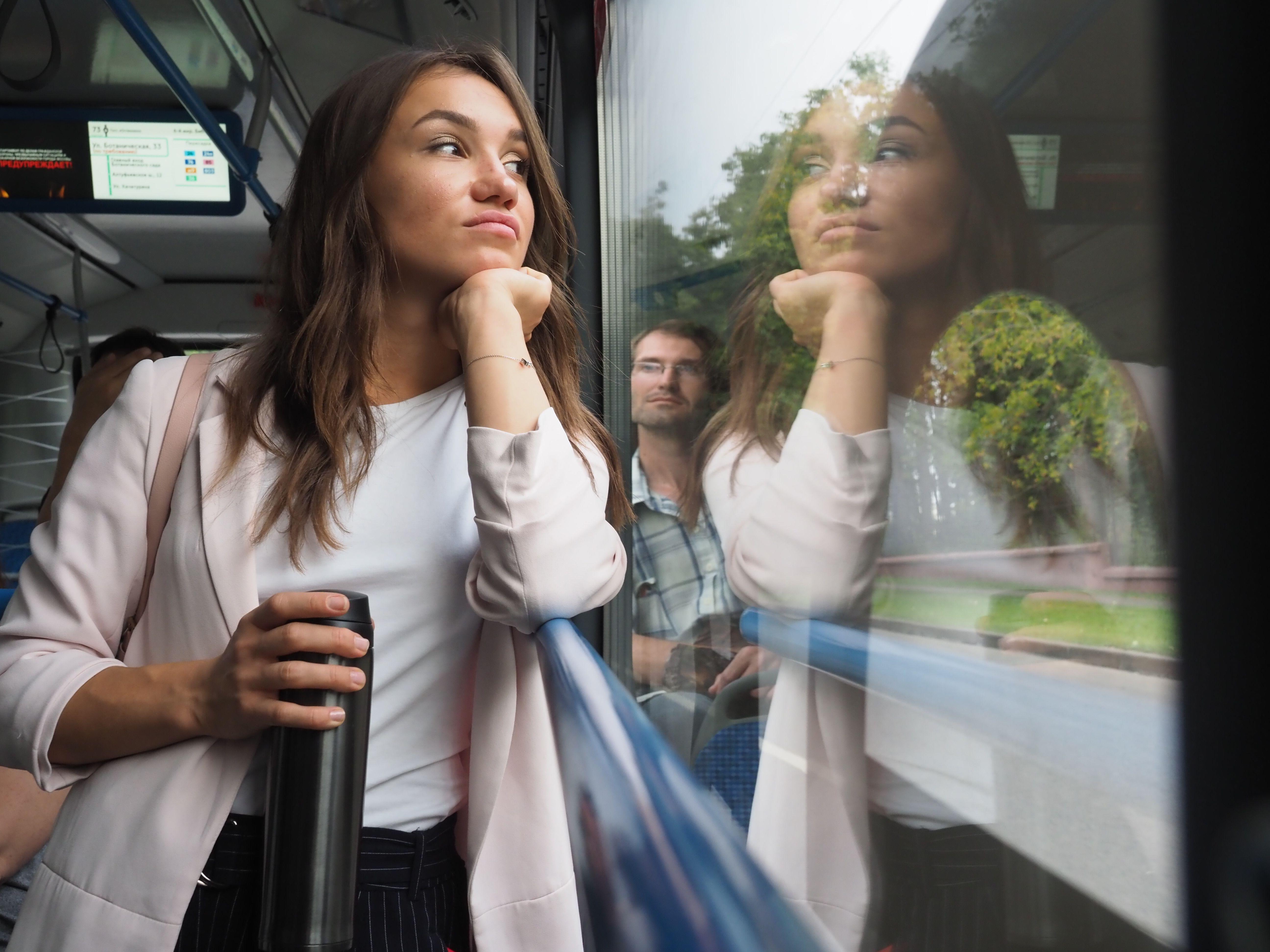 Пассажиры московского транспорта продлят проездные с 12 июня