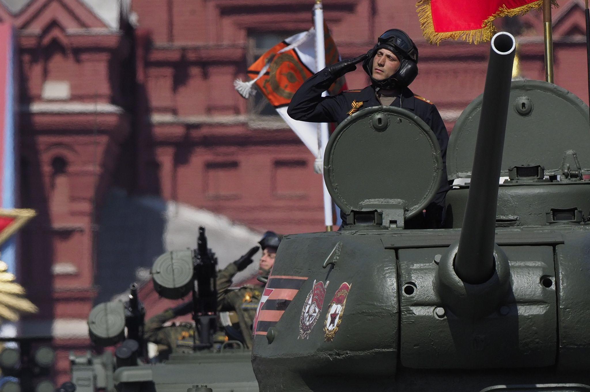 Москвичей ждет солнечная погода в день Парада Победы