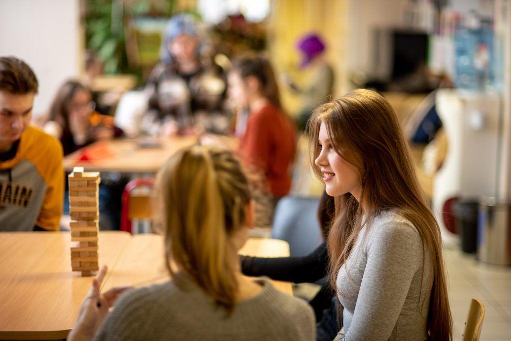 Онлайн-обсуждения с блогерами организуют в техникуме имени Леонида Красина. Фото: страница техникума имени Леонида Красина ВКонтакте
