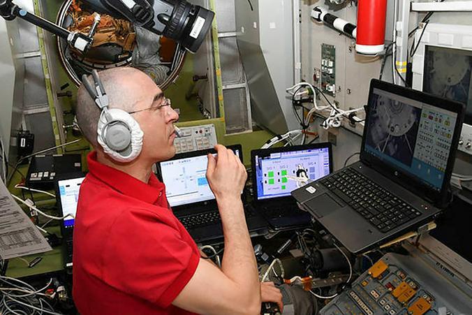 Историческое голосование на орбите: российский космонавт проголосовал онлайн
