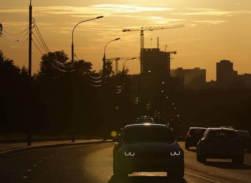 Золотой московский закат в объективе народного корреспондента. Фото: пользователь @anatolyshots в Instagram