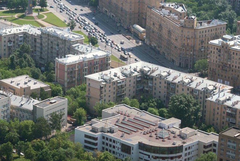 Депутат МГД Козлов рассказал о корректировке правила открытия вентиляционных продухов в домах. Фото: сайт мэра Москвы