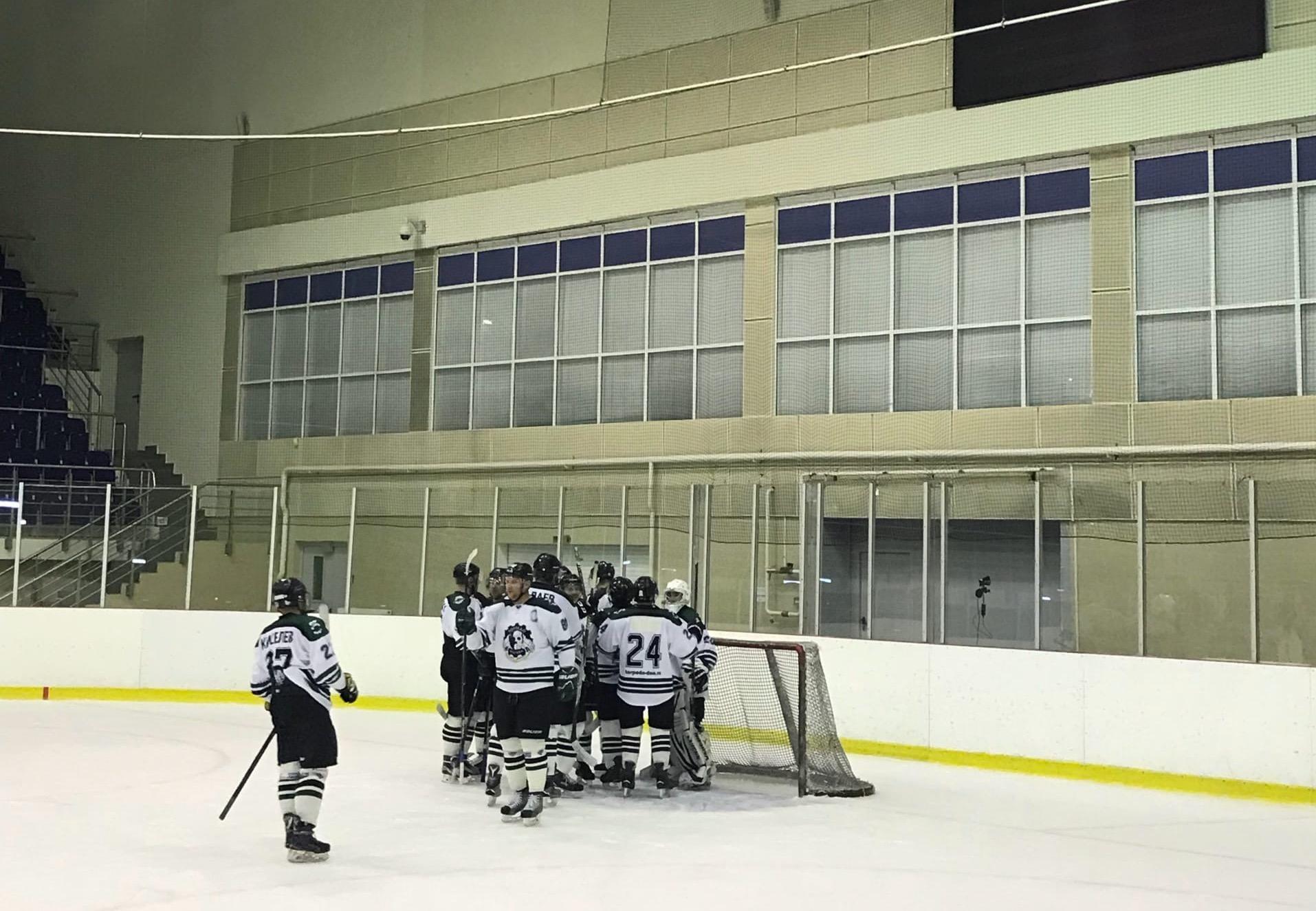 Выход хоккеистов «Торпедо» на лед завершился победой