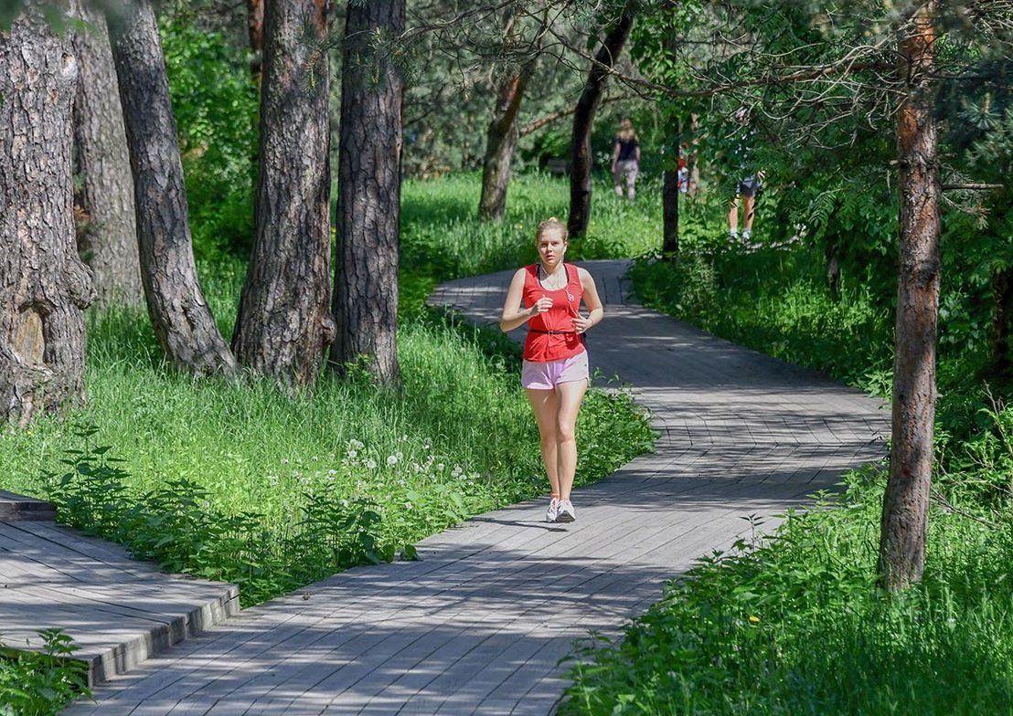 Депутат МГД Игорь Бускин отметил развитие инфраструктуры для бега в столичных парках