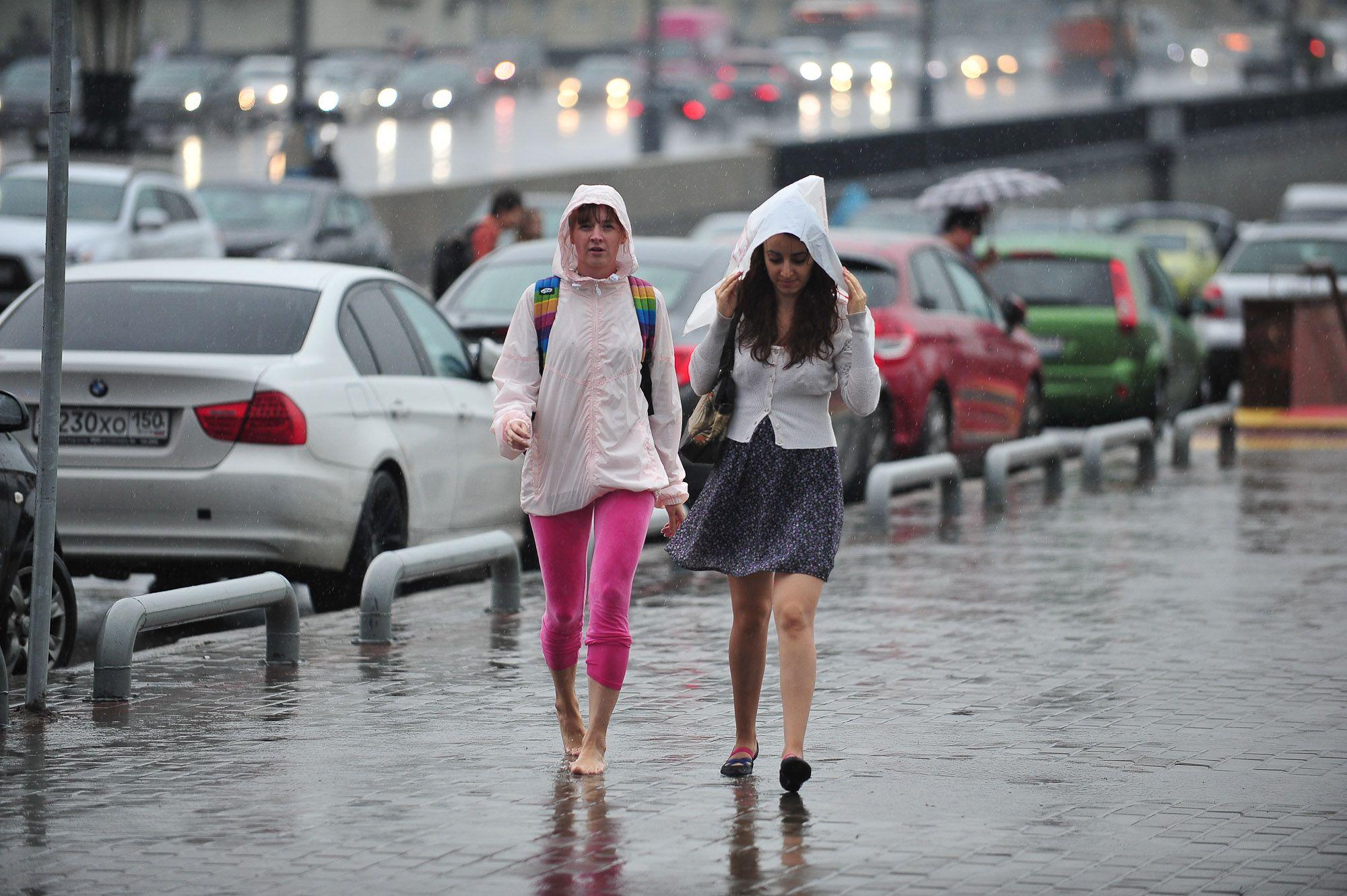 Долгий ливень обрушится на Москву вечером в пятницу