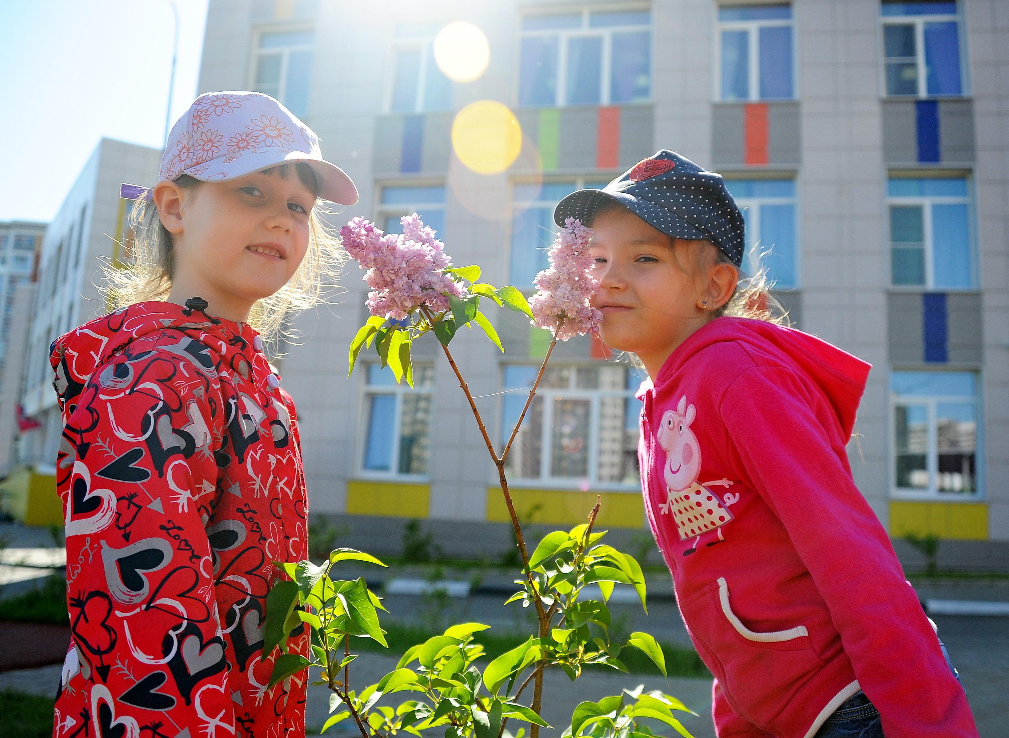 Почти 30 социальных объектов возвели в Москве за шесть месяцев