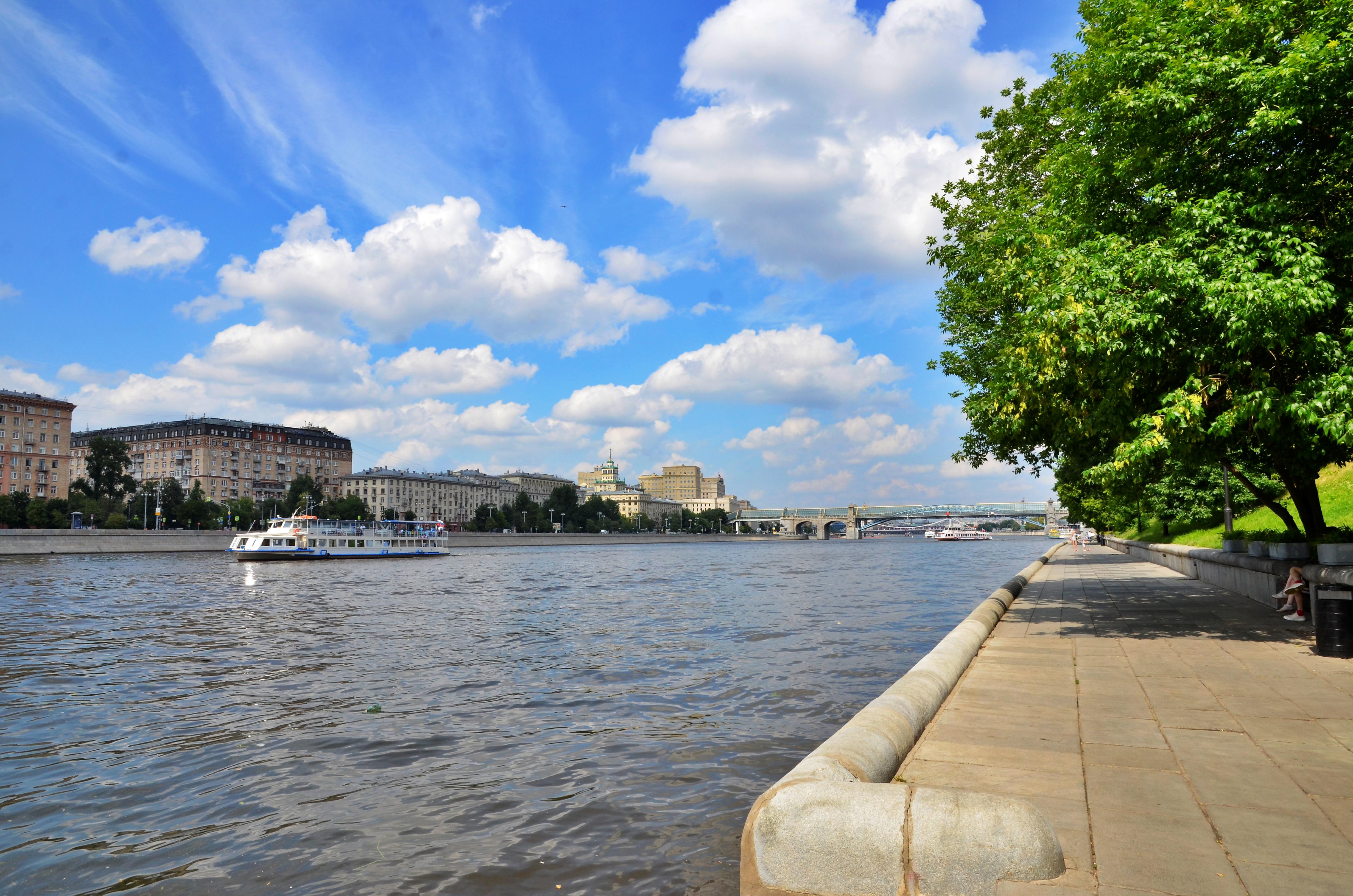 Антициклон принесет в Москву сухую и солнечную погоду