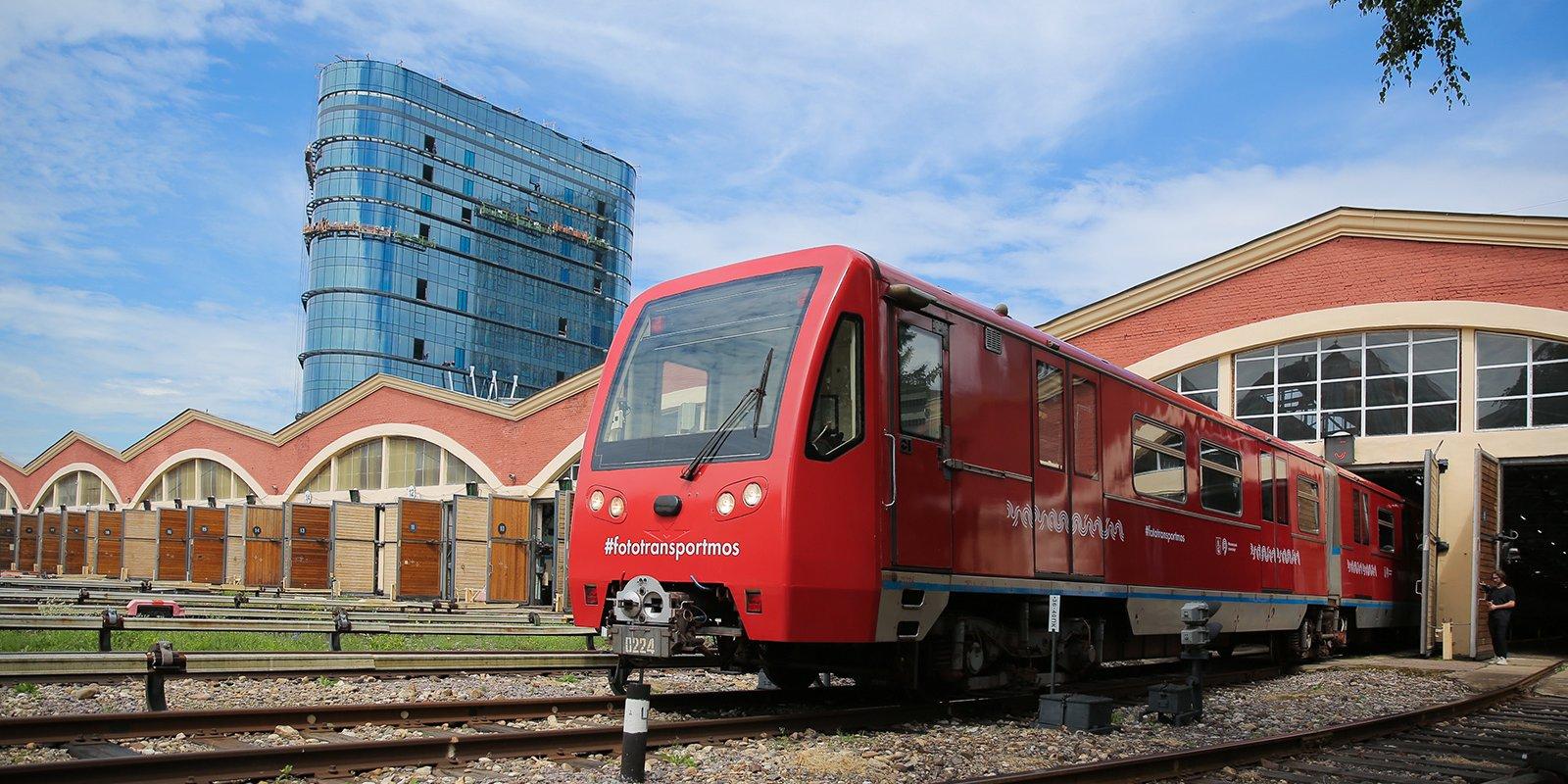 Новый тематический поезд запустили в метро Москвы